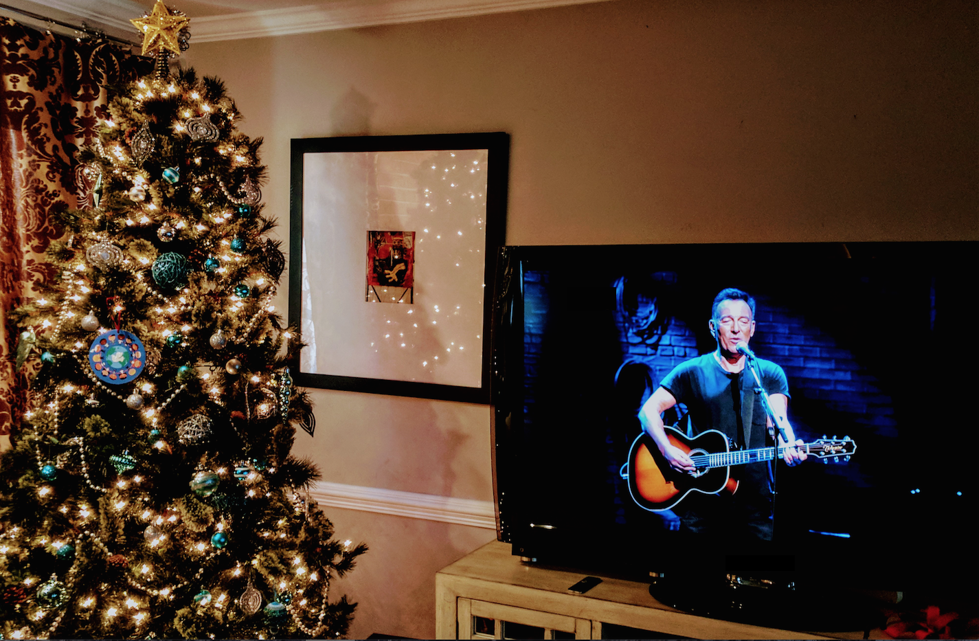 Bruce Springsteen Christmas.Springsteen On Broadway Is Bruce S Christmas Gift To America