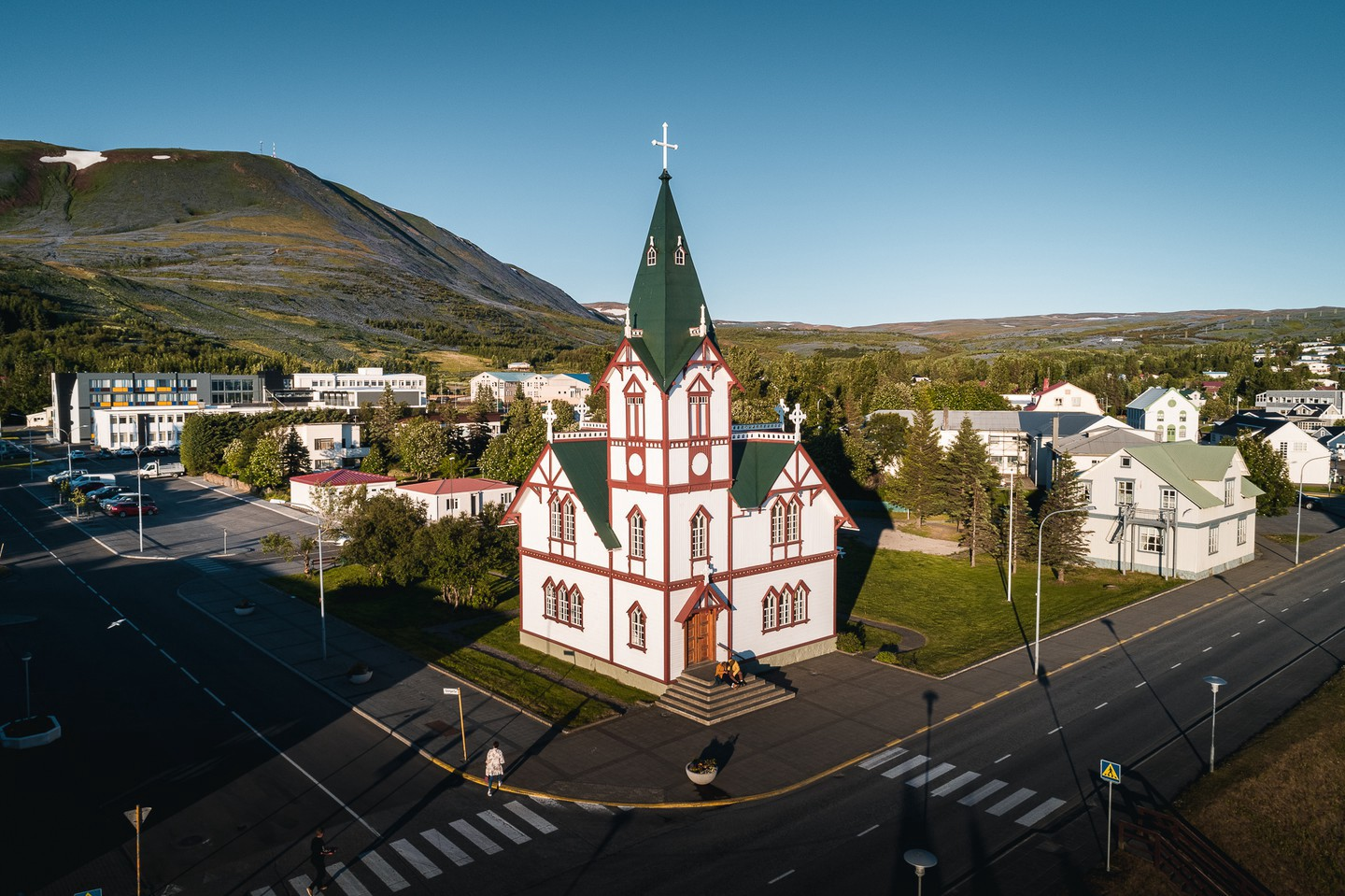 The town's most famous landmark is the Wooden Church, built in 1907 in the style of a Swiss chalet | © Ales Mucha
