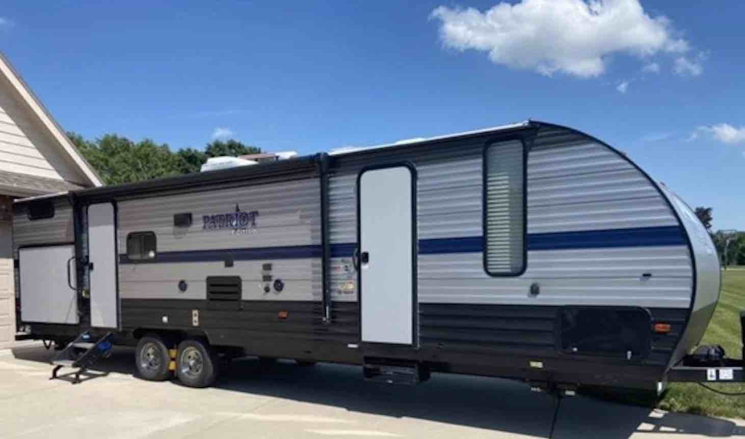 secrets-and-lies-in-the-RV-camper-world-of-sales