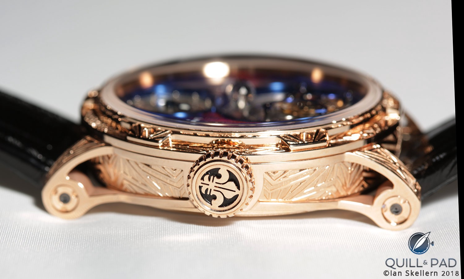 Engraved bezel, caseband and crown of the Louis Moinet Spacewalker