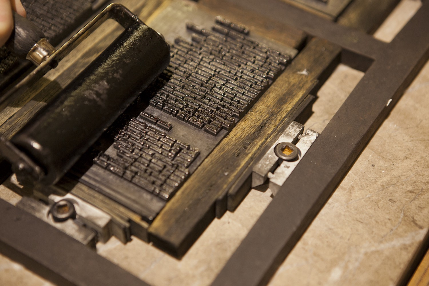 Publishing Shakespeare: a history of the printing press