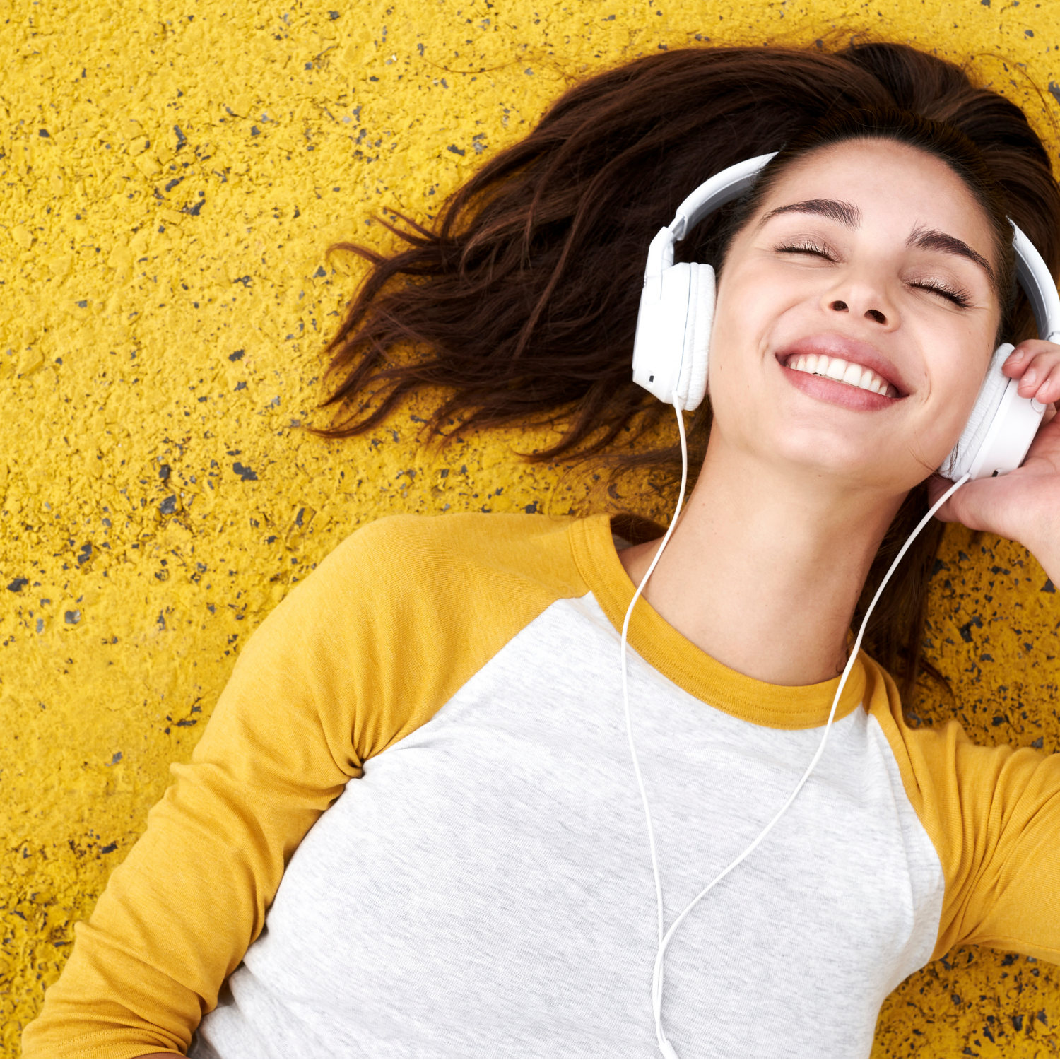 10 Undeniable Psychological Benefits Of Listening to Music