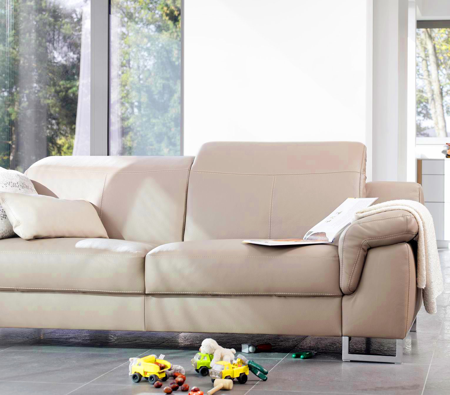 Sofa Traditional Vs Modern B A Sofas Medium