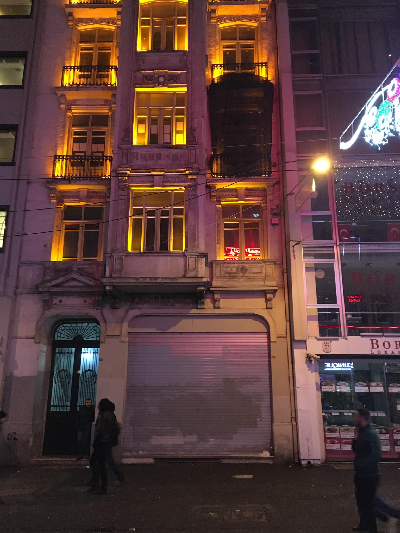 upsetting transformation of istanbul's istiklal street