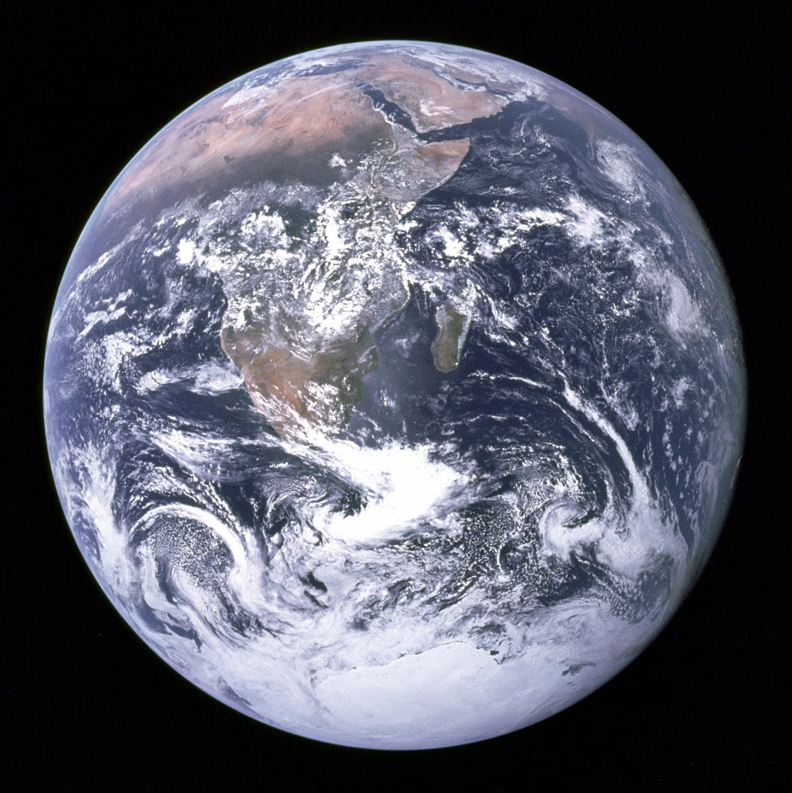 Real photo of Earth taken by Apollo 17