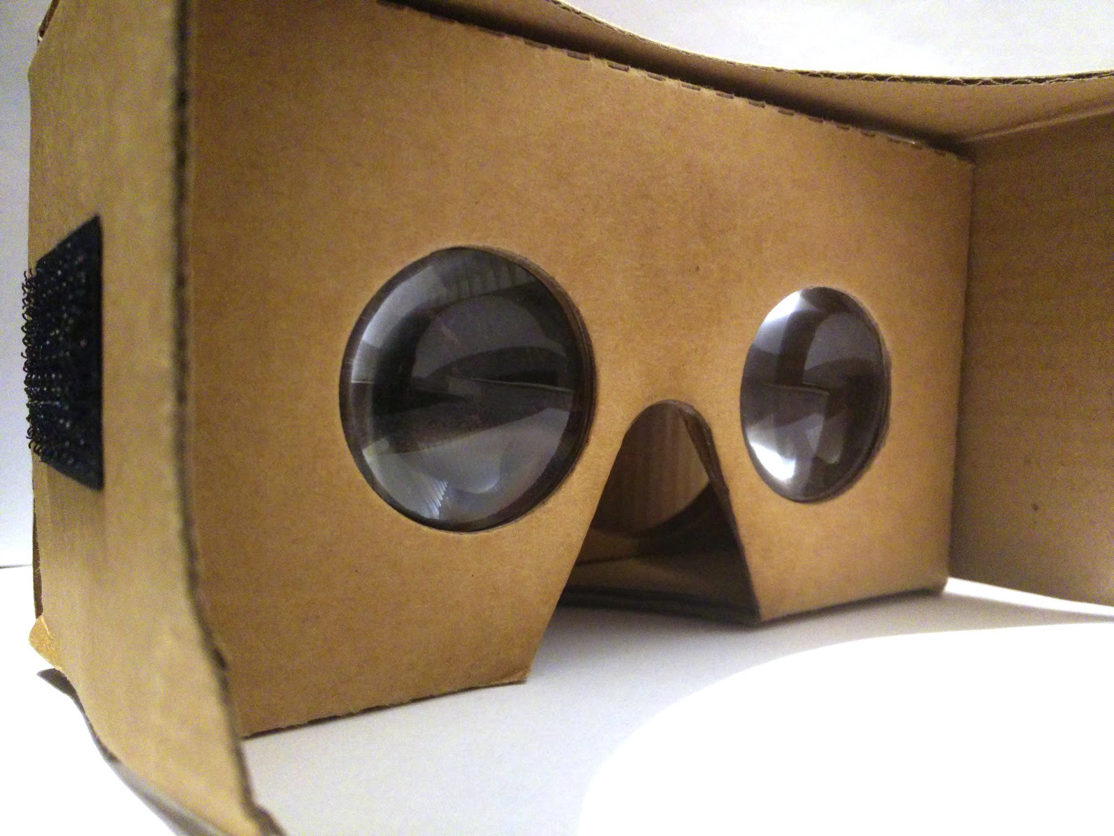 Everything You Need to Enjoy VR On Mobile in 2018 - Virtual
