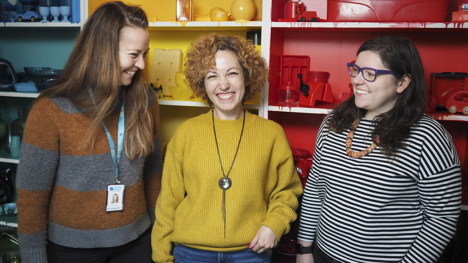 Picture of three female developers in FINN