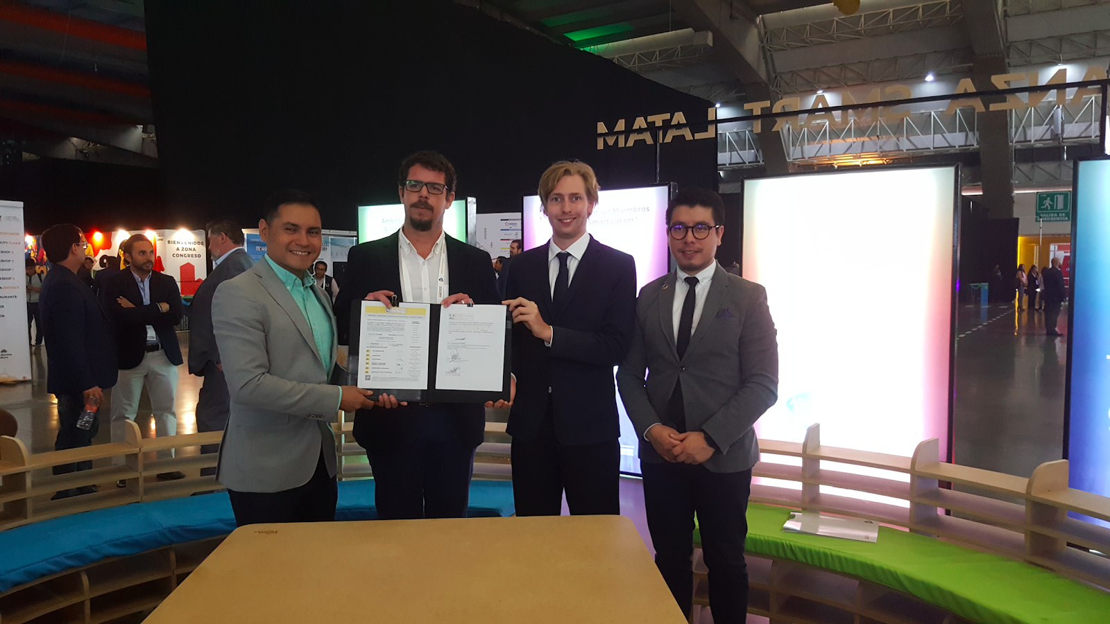 World Blind Union and the National Association of Mexican Cities sign the Global Compact for Accessible and Inclusive Cities.
