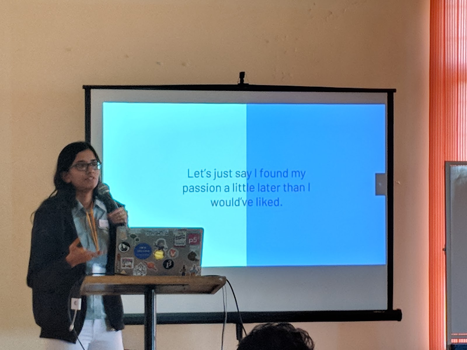 """Tanvi Kumar presenting her talk """"Stepping into the world of software through open source"""""""