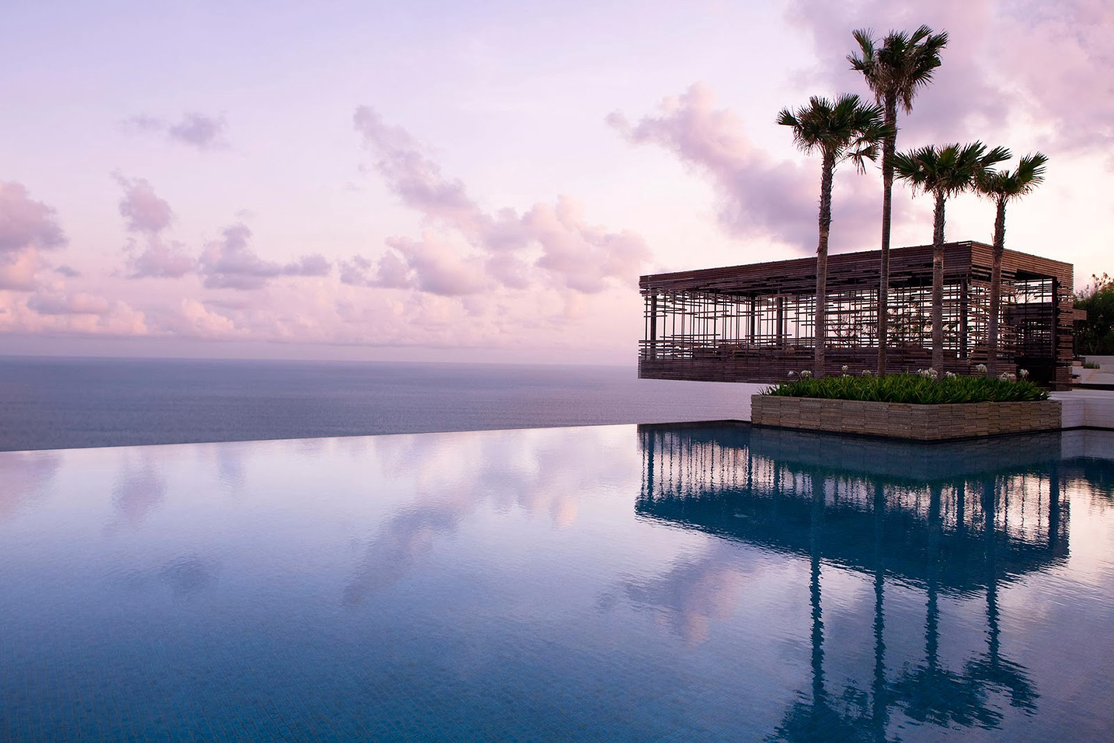 5 Best Wedding Venues In Bali With The Sparkling Blue Indian Ocean By The Seven Agency Medium