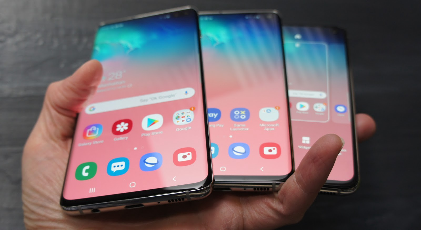 Samsung Galaxy S10 Hands-on: Giving the iPhone a Run for Its