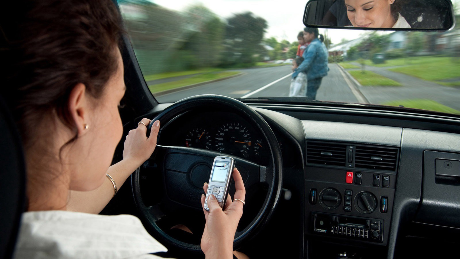 Texting While Driving >> New Study Finds Texting While Driving Only Dangerous If You