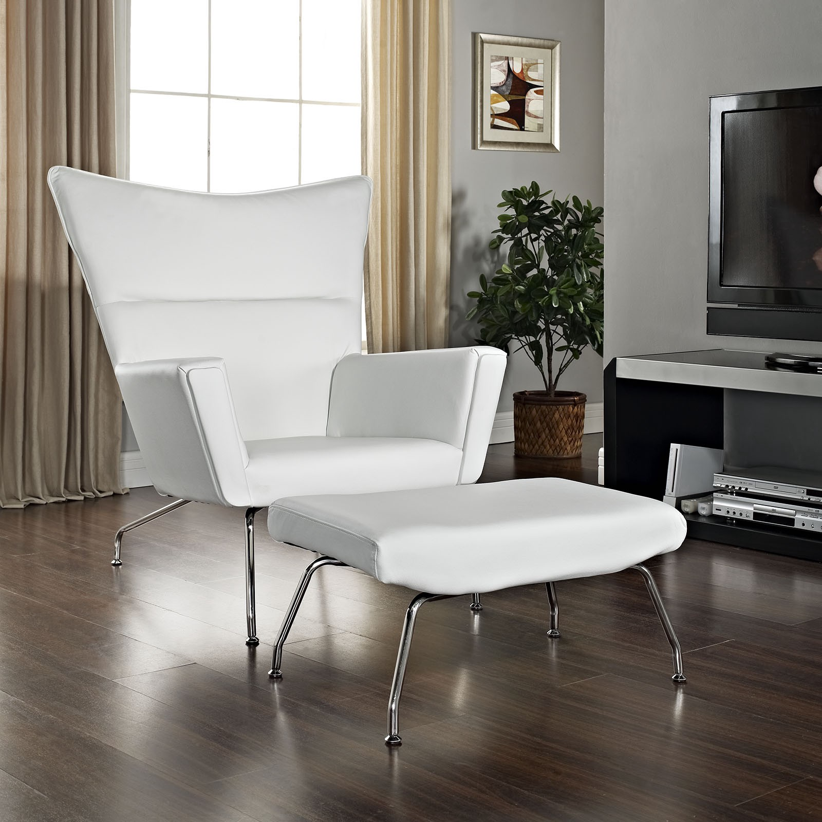 Modern Accent Chairs In The Living Room