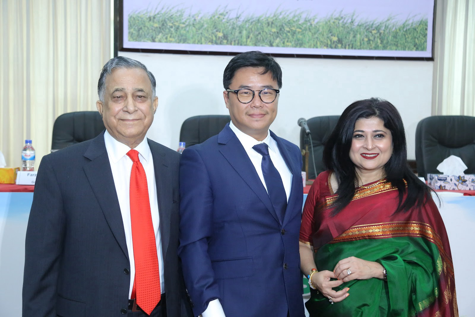 GDIC founder & advisor, Mr. Nasir A. Chowdhury and daughter, CEO & MD of GDIC, Farzana Chowdhury with Roy Lai, Founder & CEO