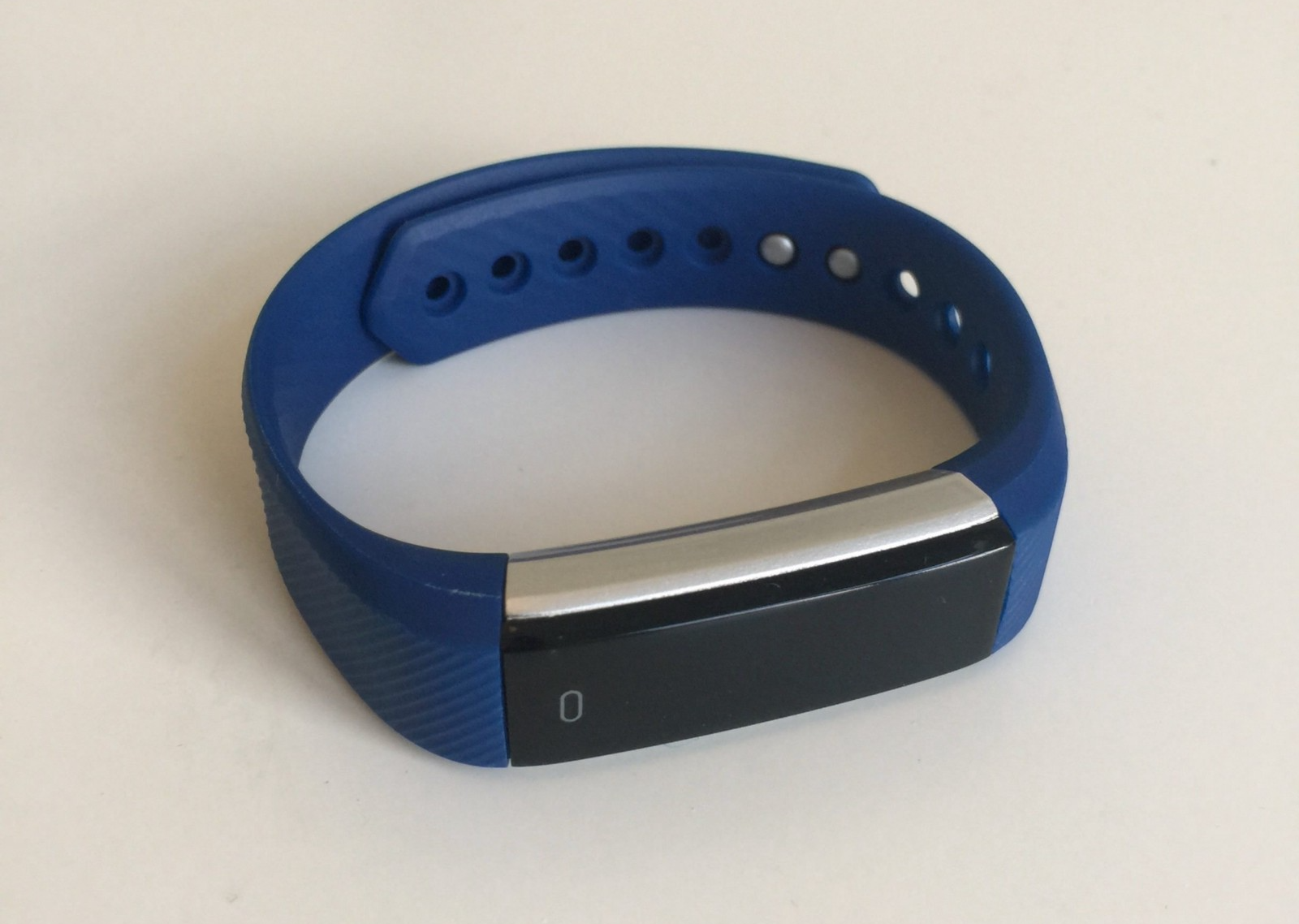Good News! Those Dirt Cheap Fitness Tracker Bracelets Are