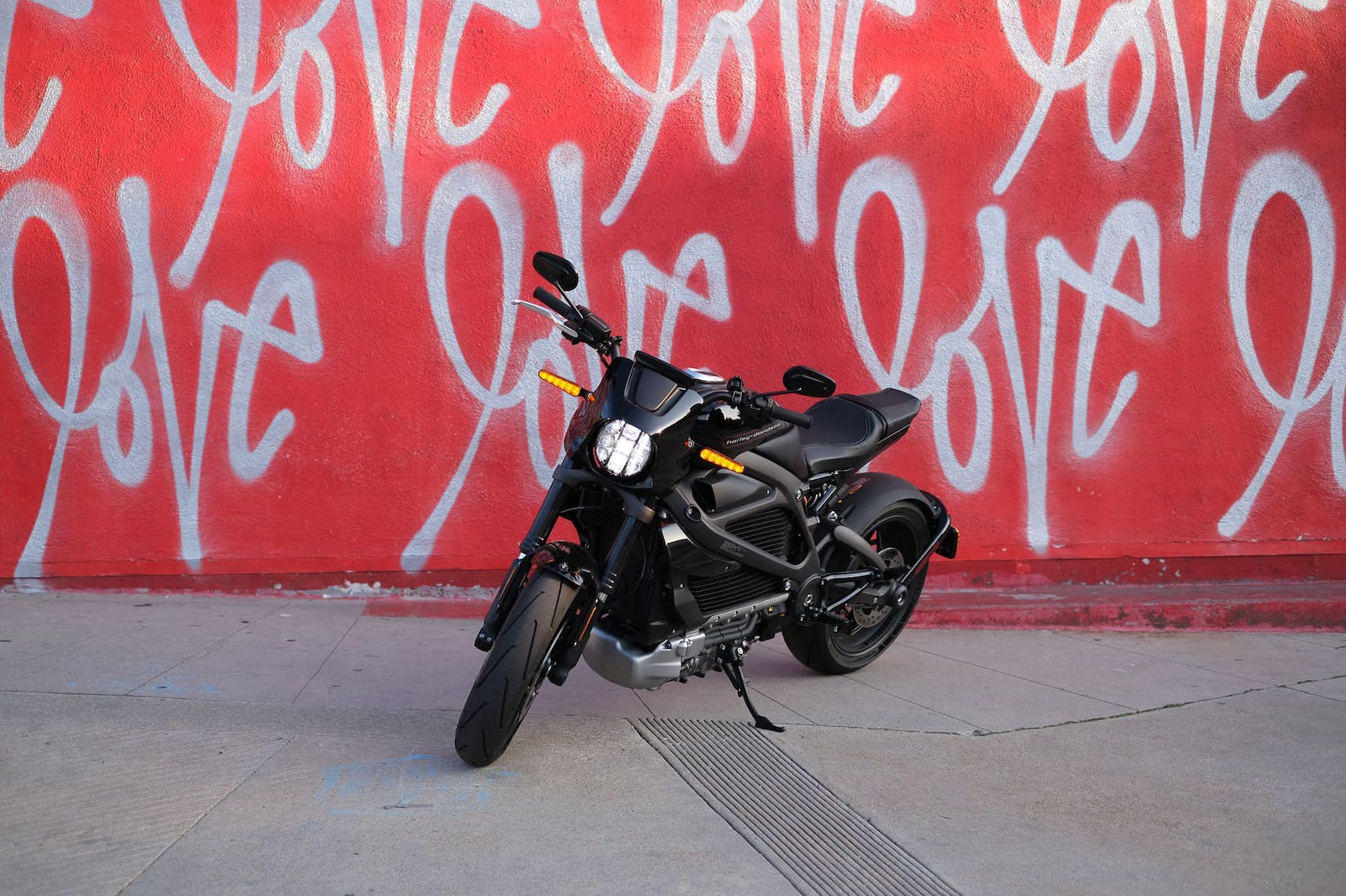 Harley Davidson LiveWire in front of love wall in los angeles