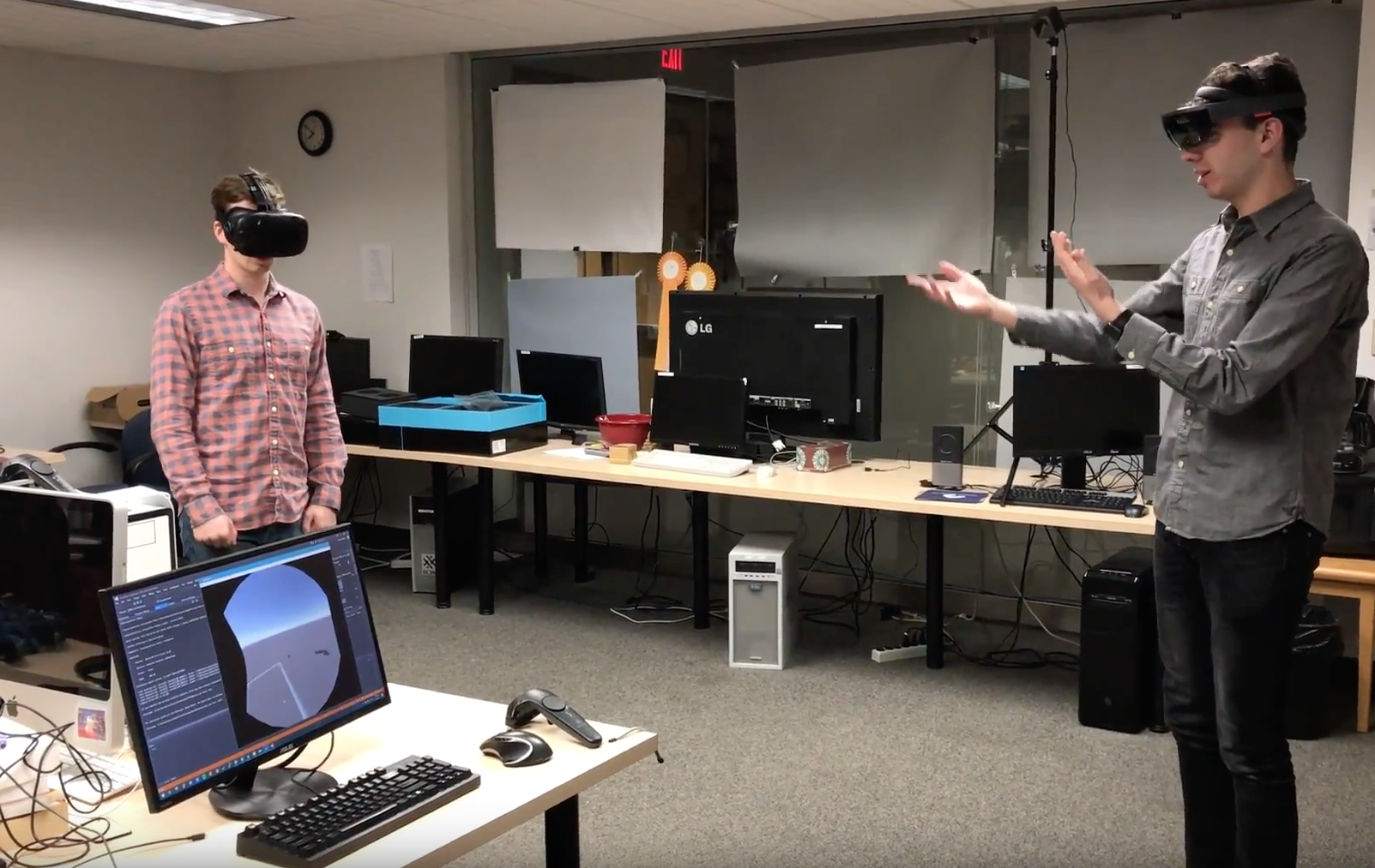 Meshing VR and AR With Microsoft HoloLens - Hackster Blog