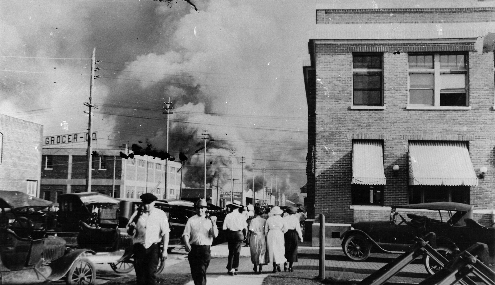 Town And Country Greenwood Sc >> The History Of The Tulsa Race Massacre That Destroyed