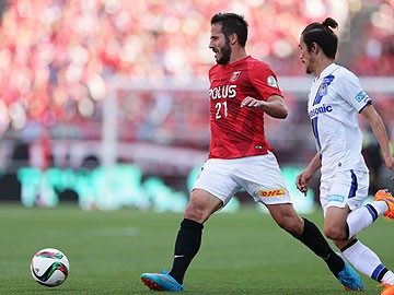 Urawa Red Diamonds 1 0 Gamba Osaka Late Goal Extends Lead At Top Of The Table For The Hosts