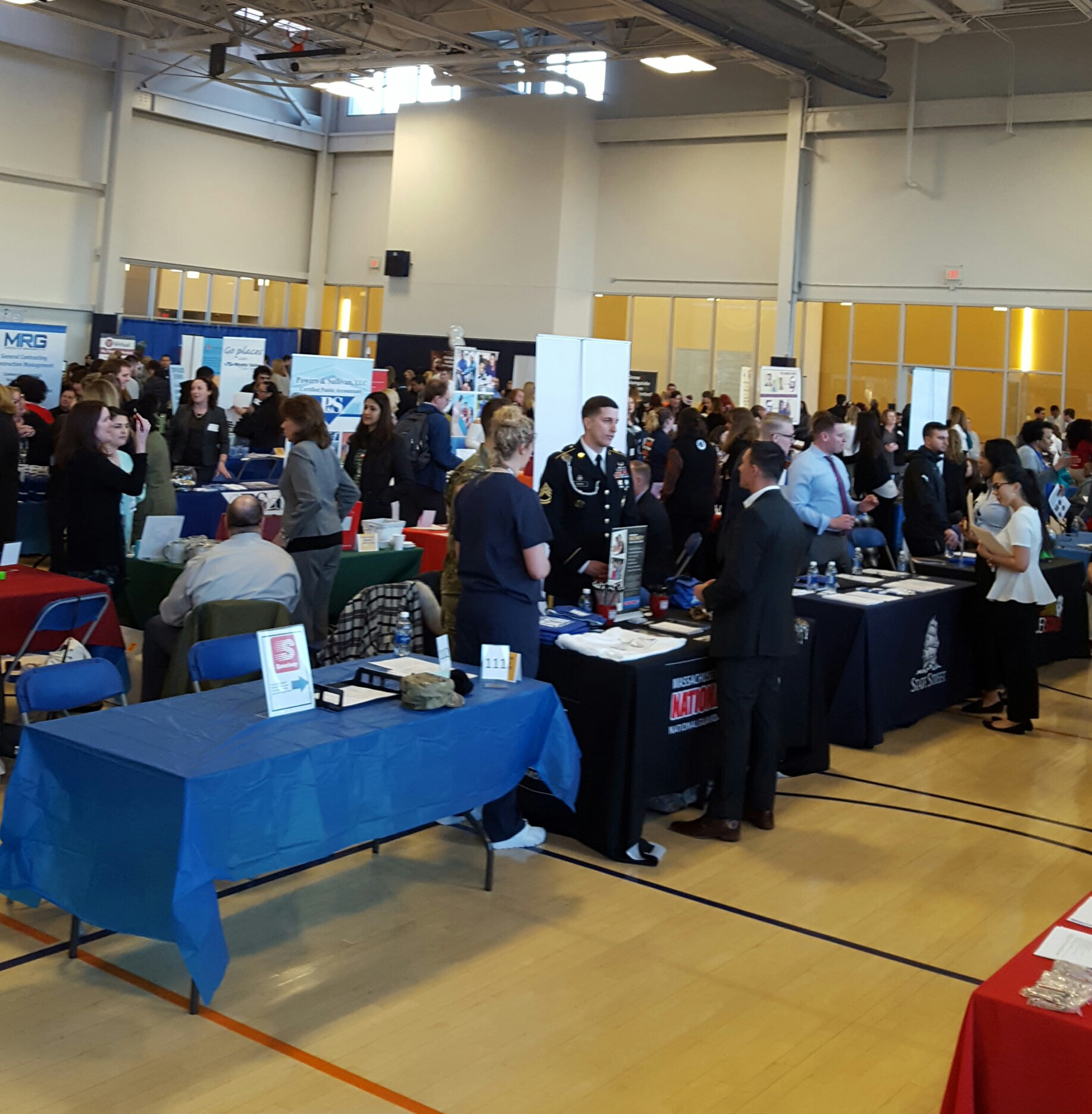 Are Career Fairs the Way to Go? - Salem State Reports - Medium