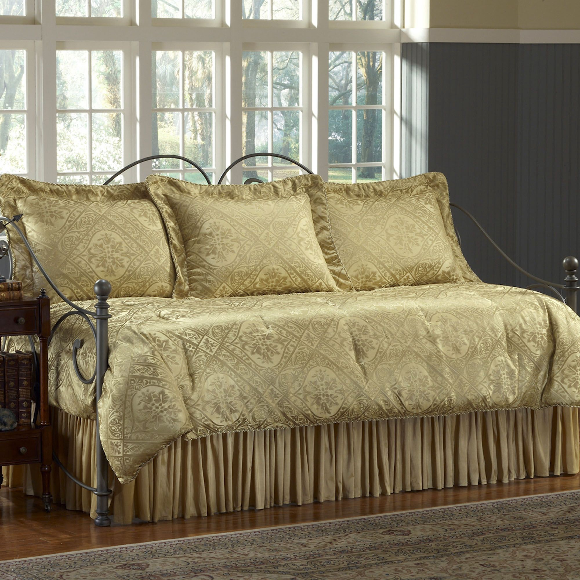 - Everything About How Fascinating Design Ideas Daybed Bedding