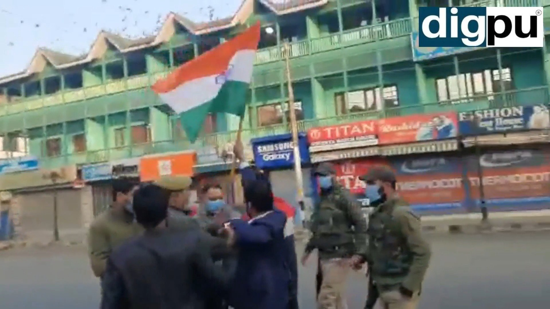 Three BJP leaders detained for hoisting tricolour at Srinagar's Lal Chowk