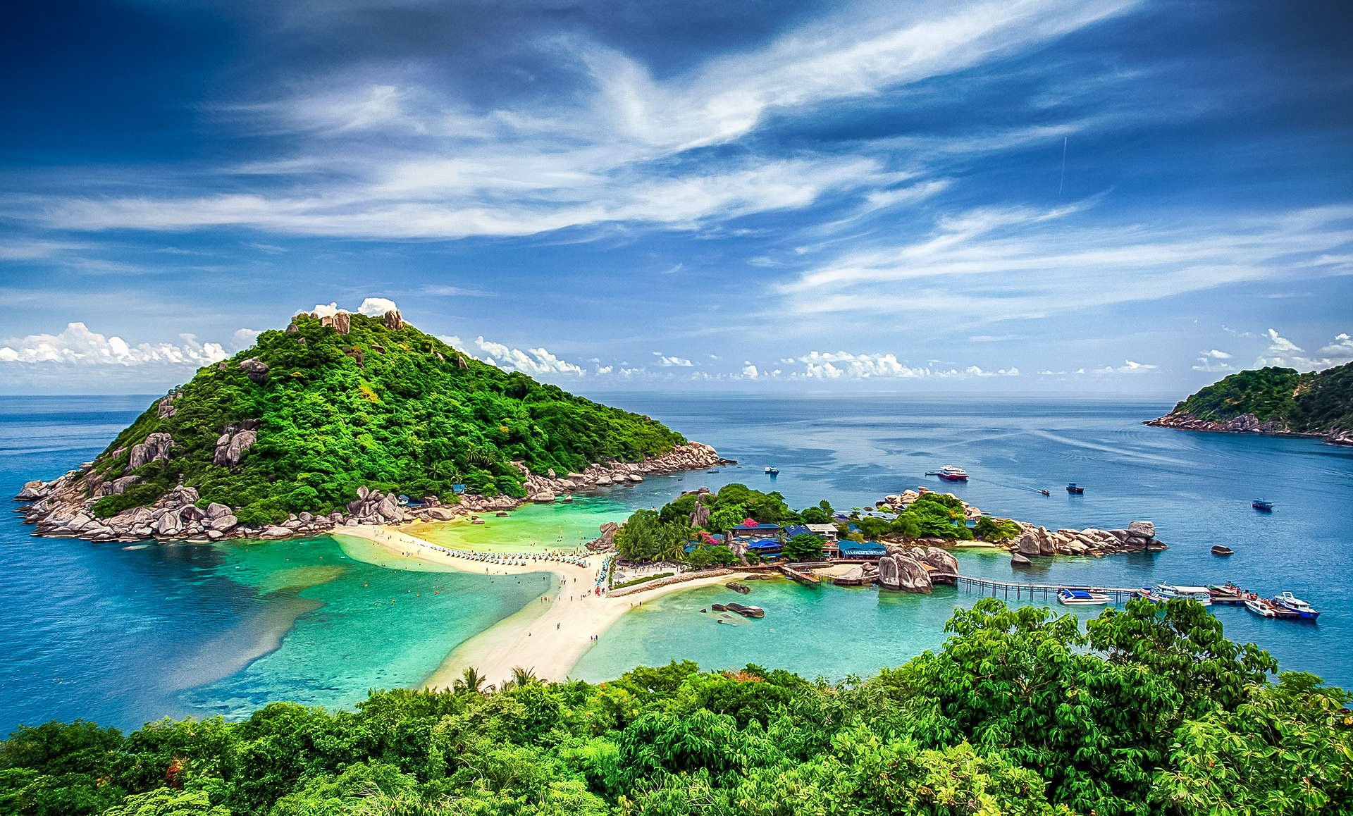 Koh Tao is a small paradise island located in the gulf of Thailand.