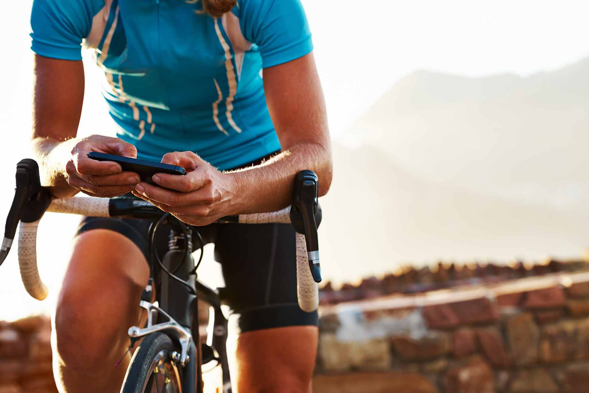 Cyclists checking the health of his bicycle components on the Hubtiger app.