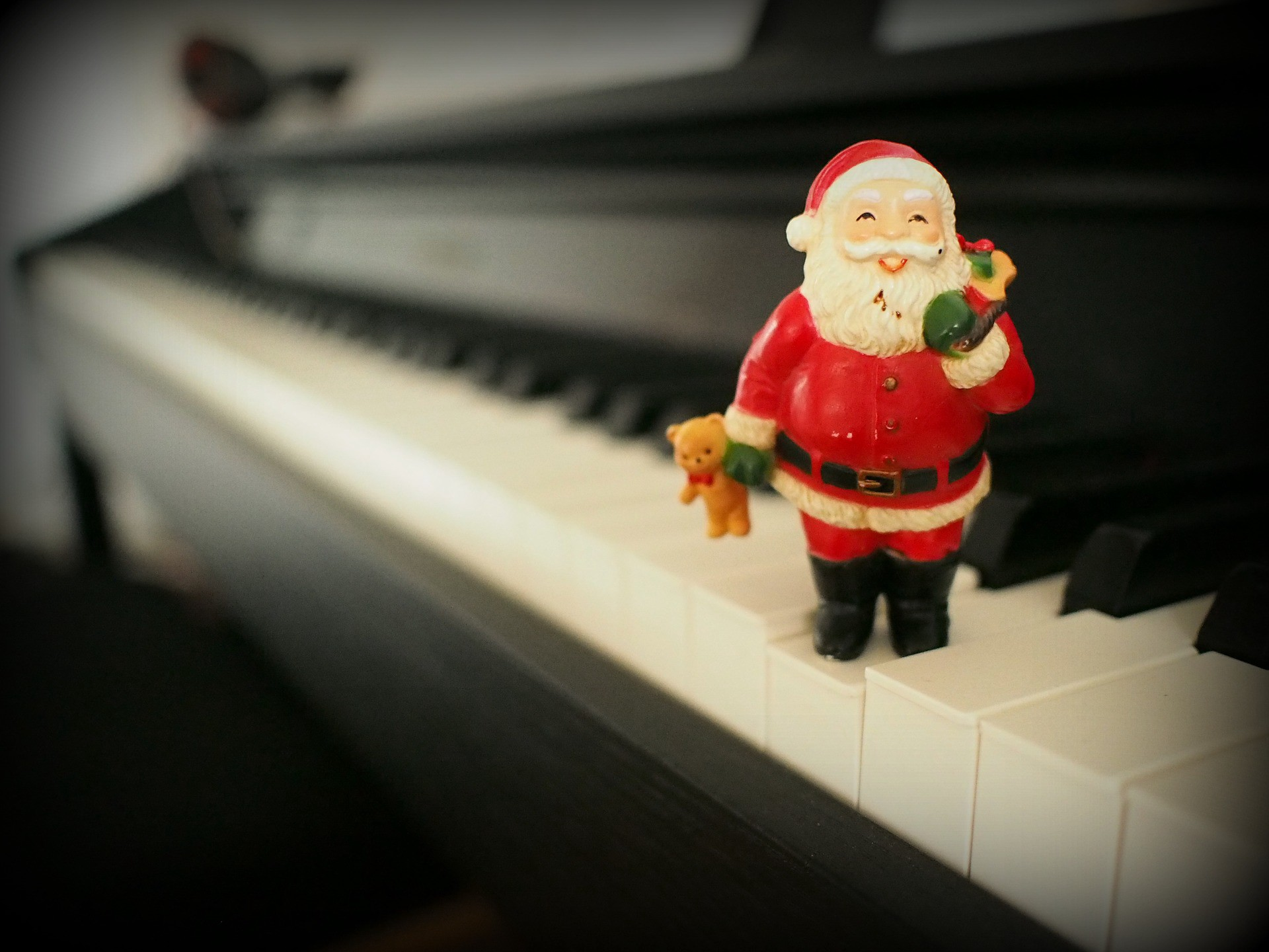 24 Unique Christmas Songs You Ve Never Heard Before Part I