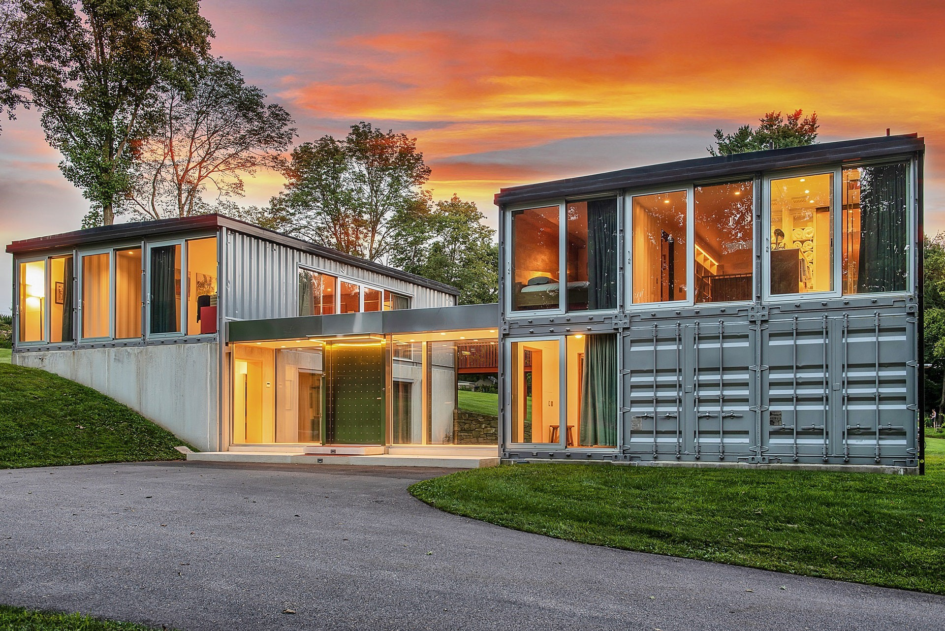 Modern Shipping Container Home this jaw-dropping shipping container home by renowned