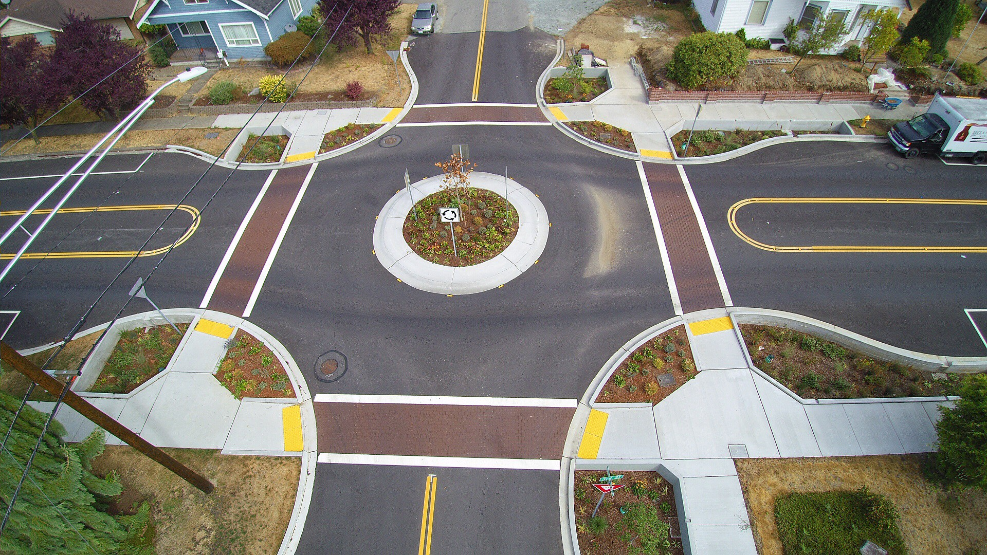 Aerial photo of a roundabout on Third Street in Marysville