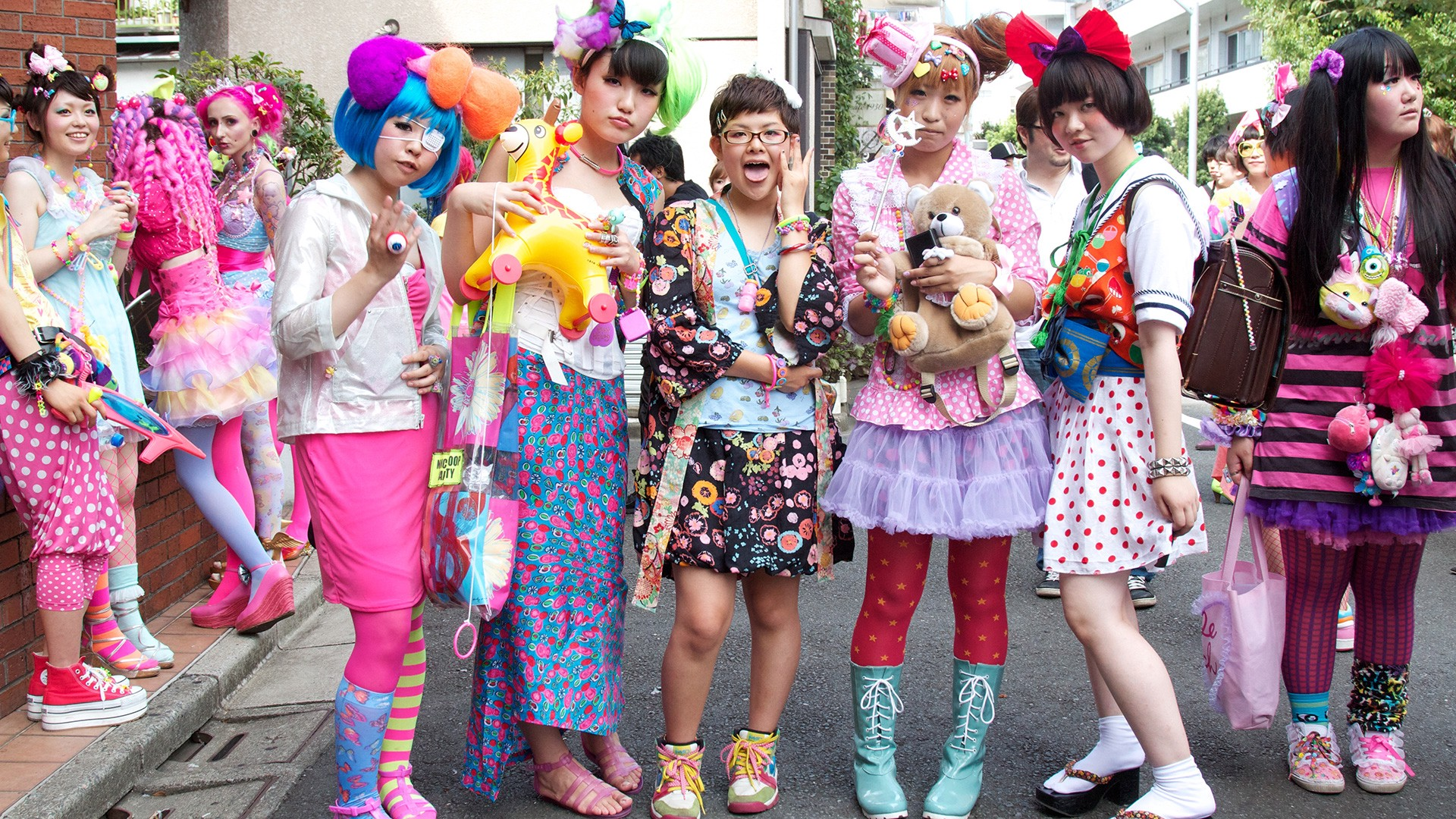 15d8e5666c6 Japanese Street Fashion — 10 Things You Need To Know in 2016
