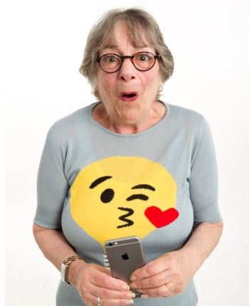 The Complete Emoji Texting Guide at Every Age 📱💬👶🏼👧🏼👩🏼👵🏼