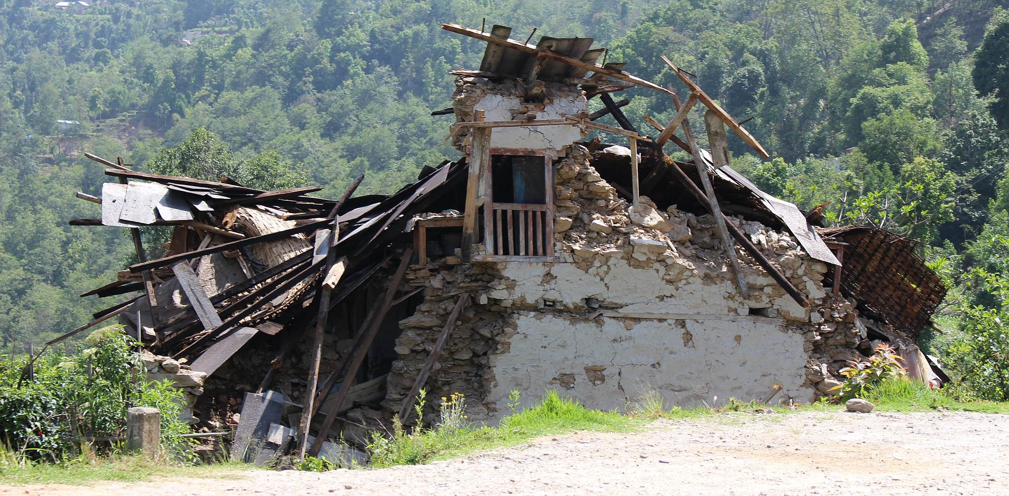 Cracked Earth | Indigenous Responses to Nepal's Earthquakes