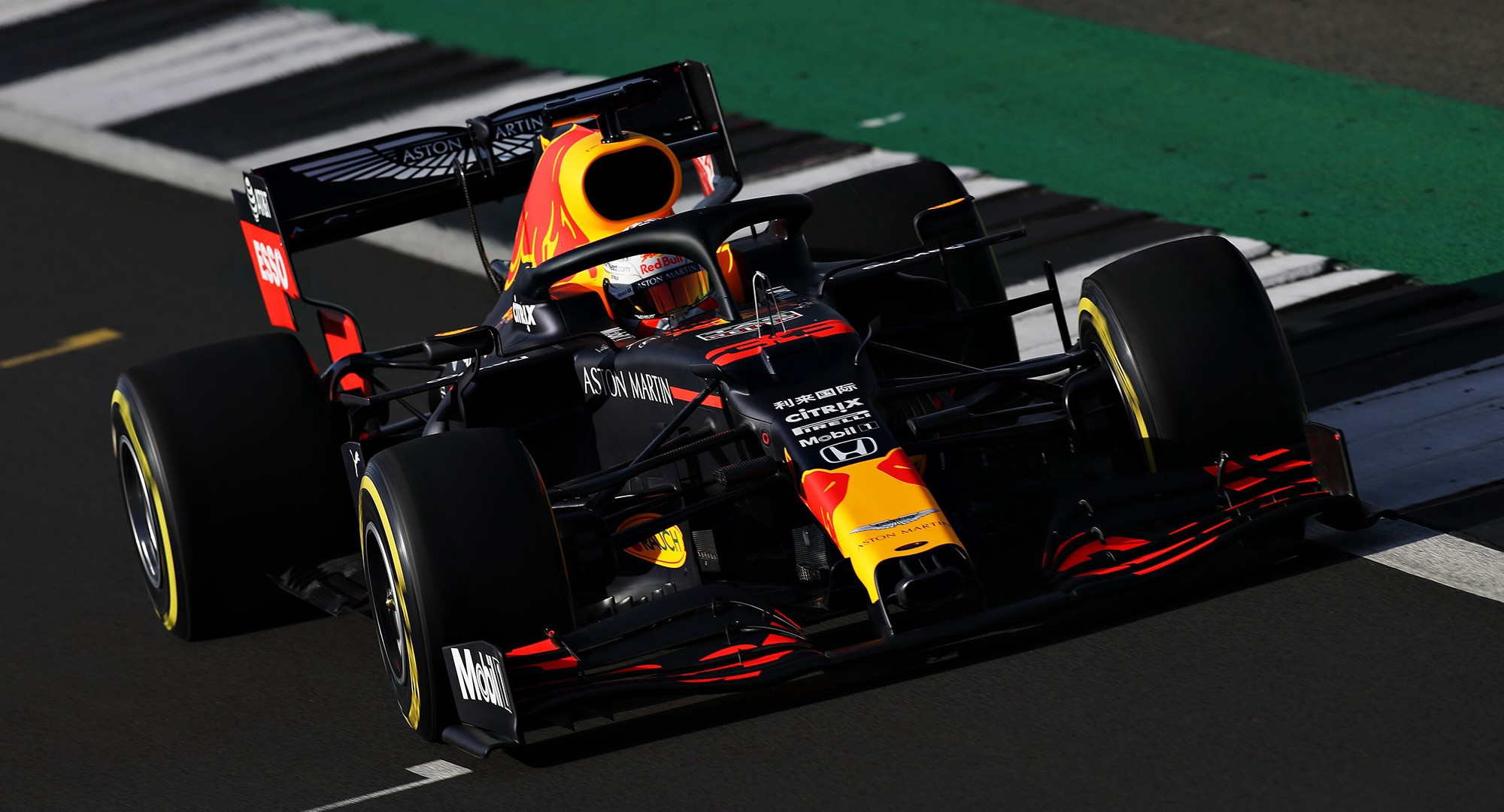 The Race To The Race How Aston Martin Red Bull Racing Turns Data Into Speed By Enterprise Nxt Enterprise Nxt Medium