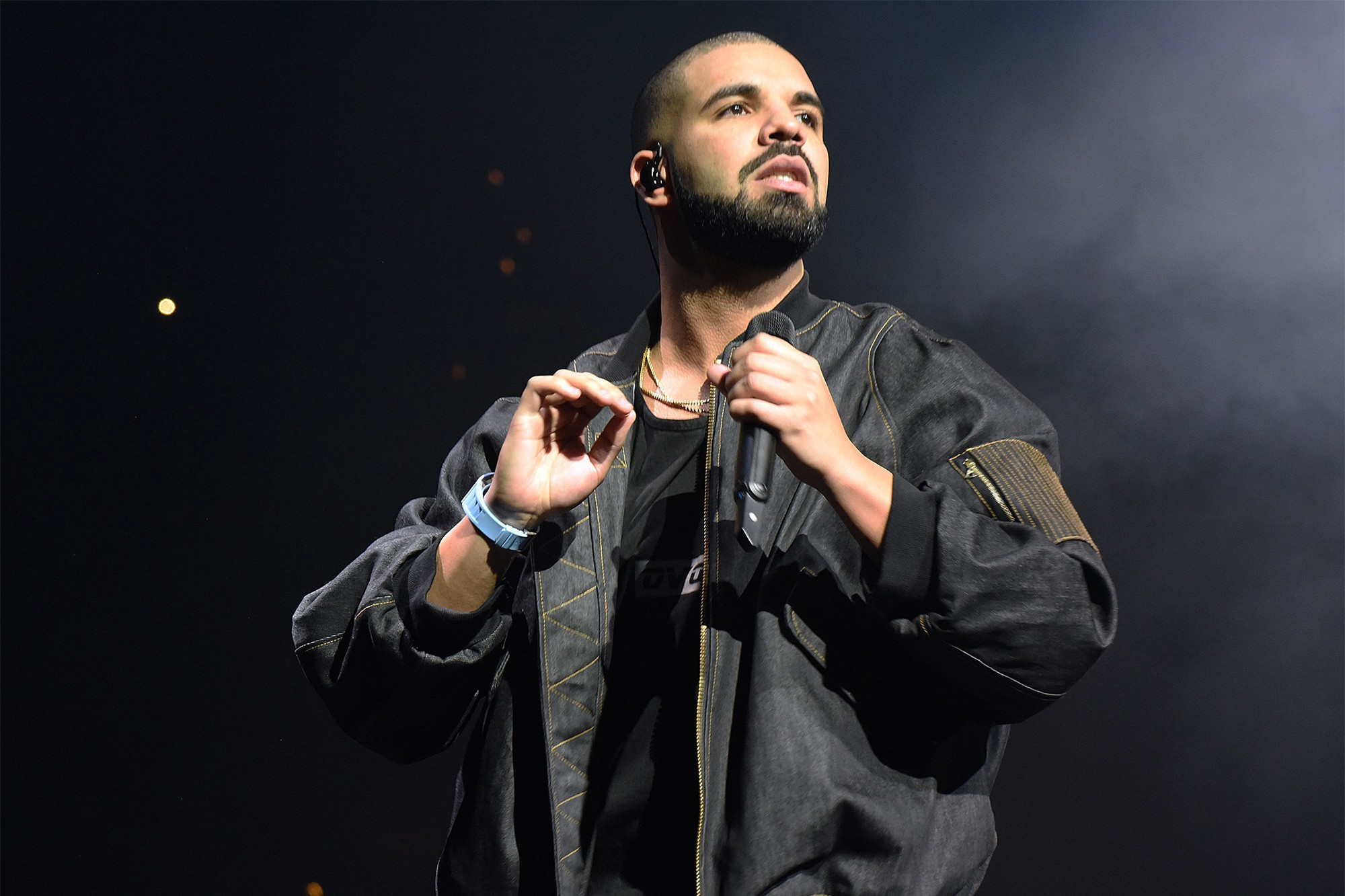 How to Build a Killer Social Media Presence like Drake and Louis