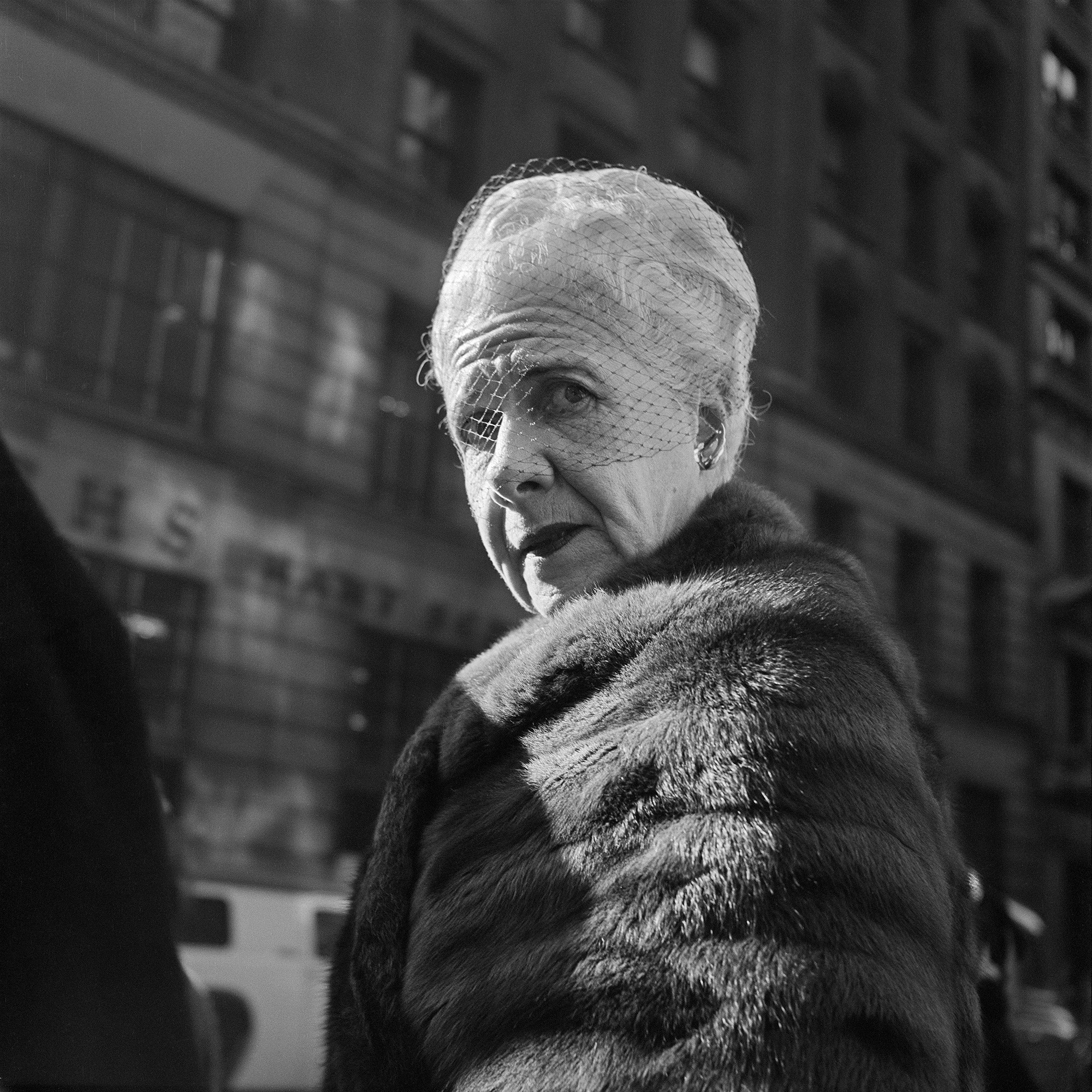 Groovy Vivian Maier On The Streets Of Mid Century New York And Chicago Download Free Architecture Designs Scobabritishbridgeorg