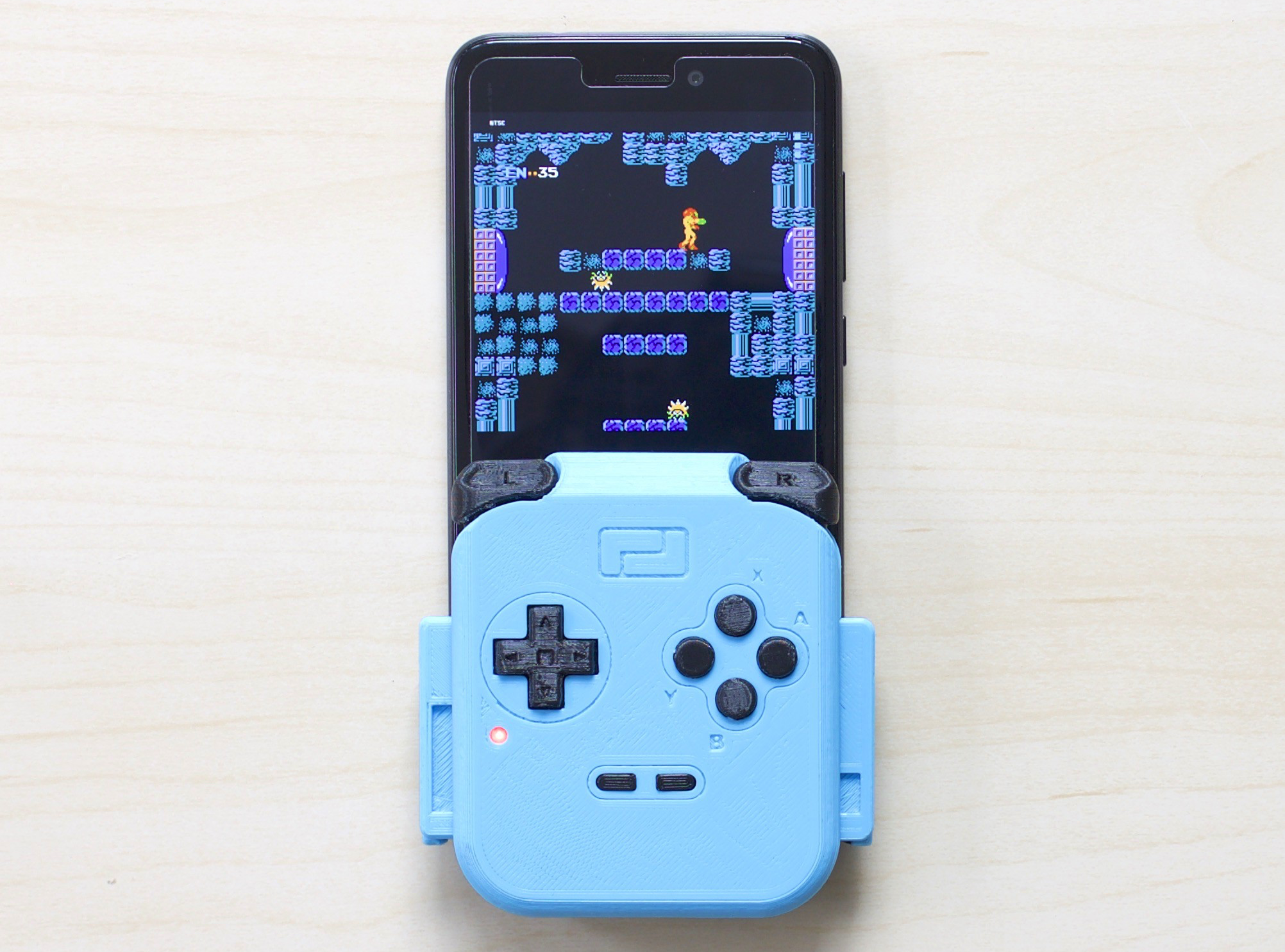 Playloop Adds Physical Buttons to Your Smartphone for Gaming