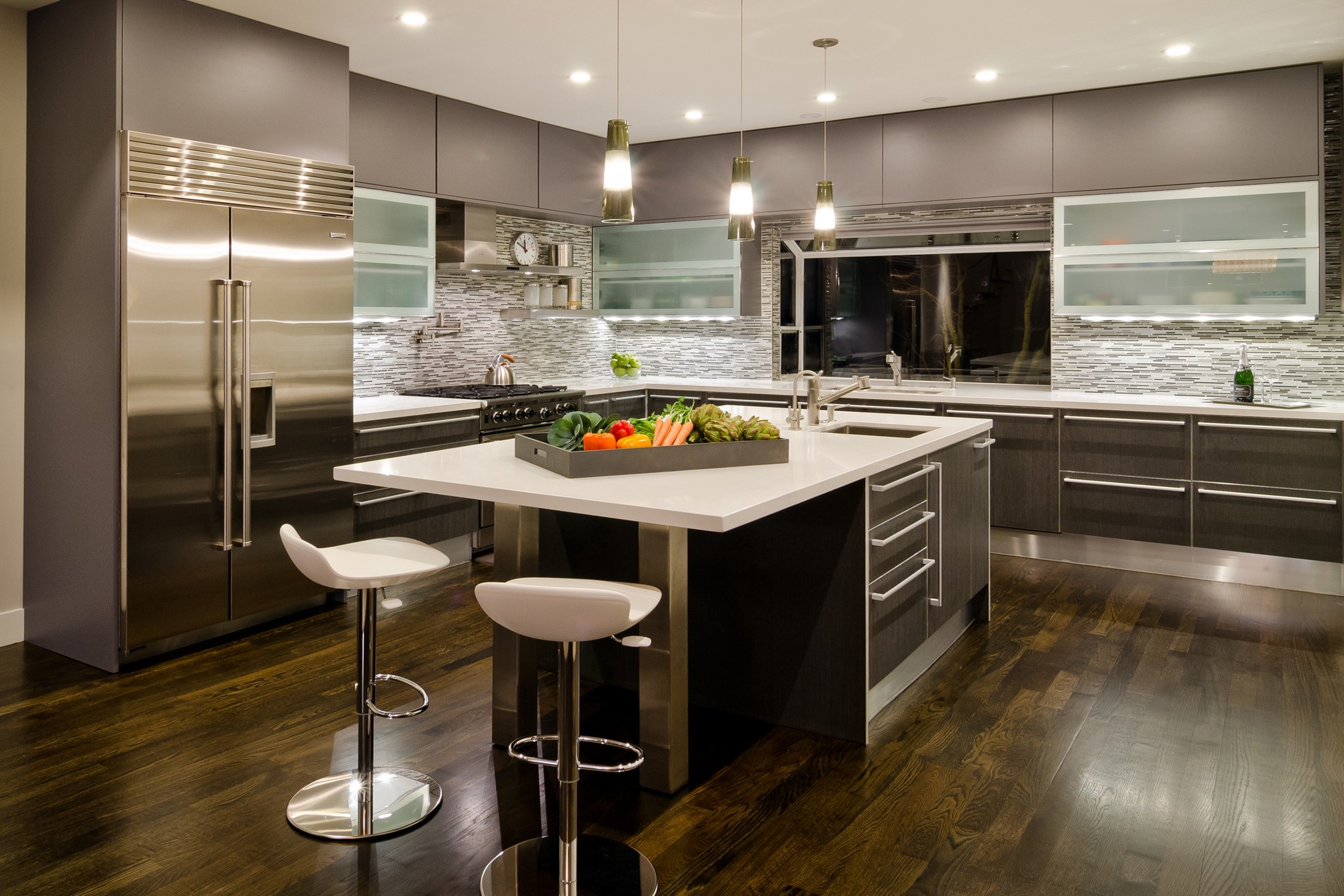 Modern Kitchen Cabinets Offer a Streamlined Look and Maximum