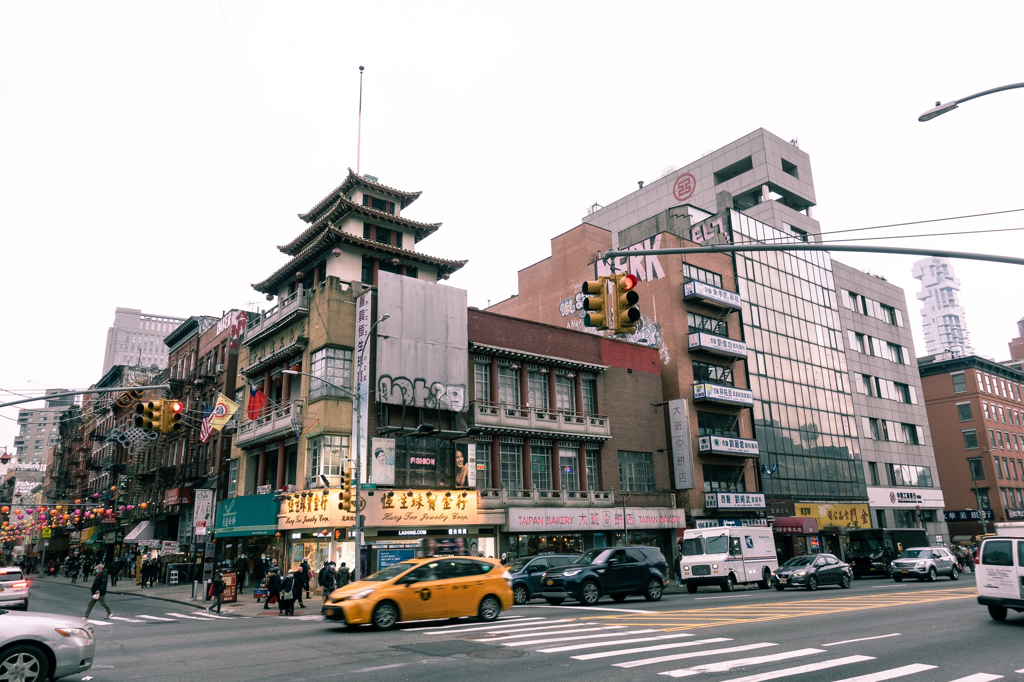 Chinatown, NYC, New York Chinatown, Pagodas and buildings in Manhattan, Chinese storefronts