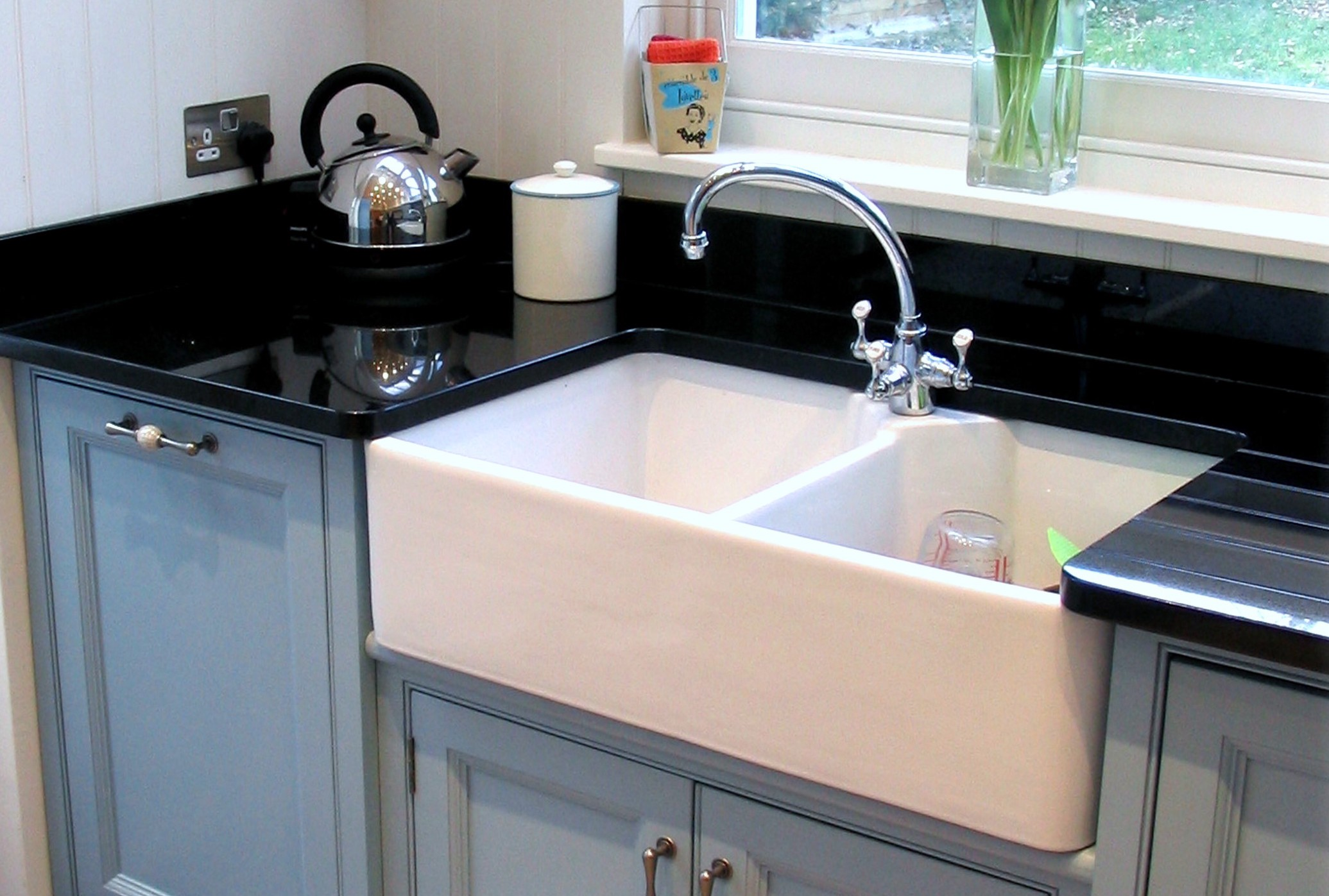 Best Fireclay Farmhouse Sink Reviews By The Review Guys Medium