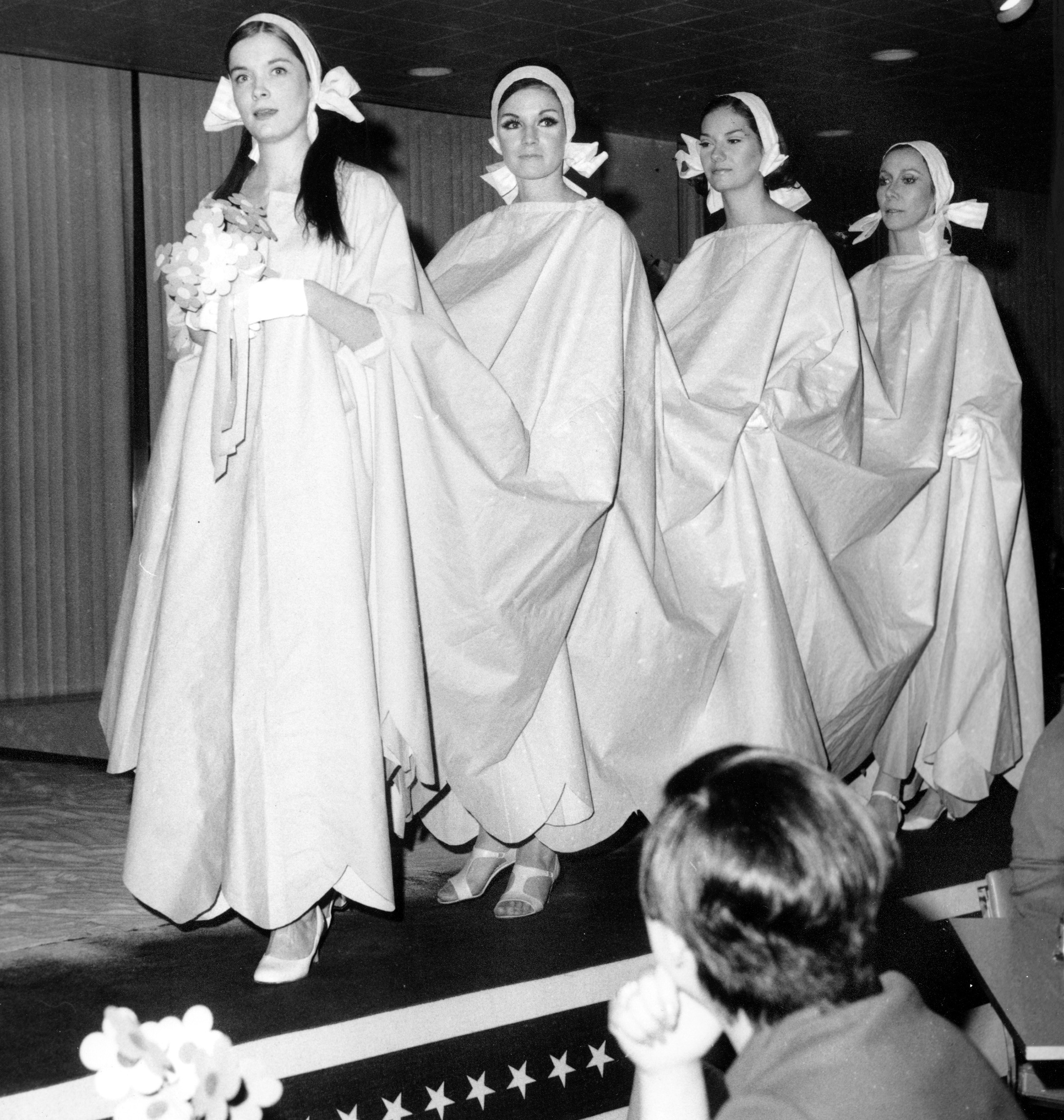 60ies Wedding Dress.This Wild Paper Clothing Trend Of The 1960s Was The Early