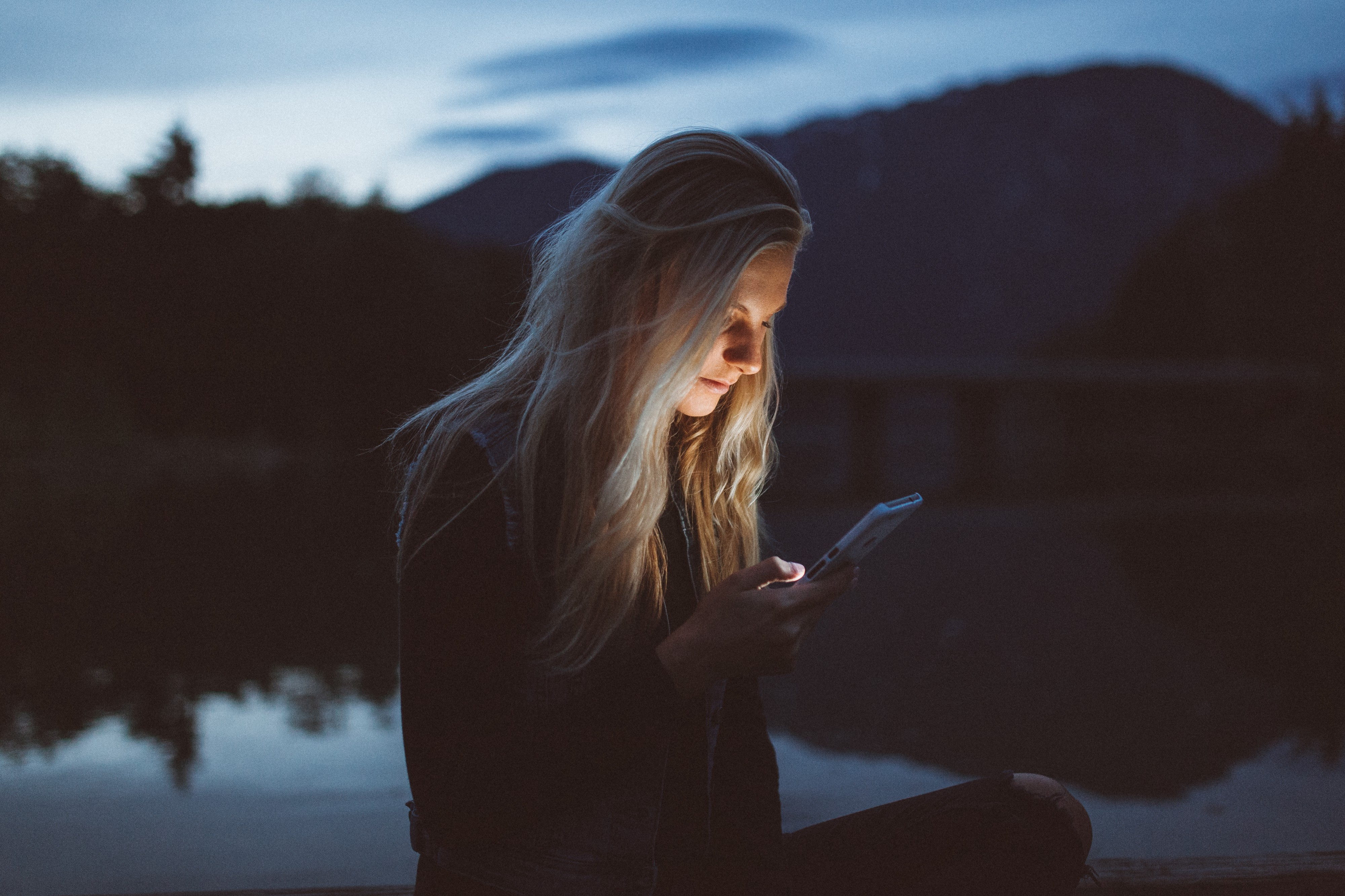 Why You Can't Stop Hate-Stalking Your Ex on Social Media