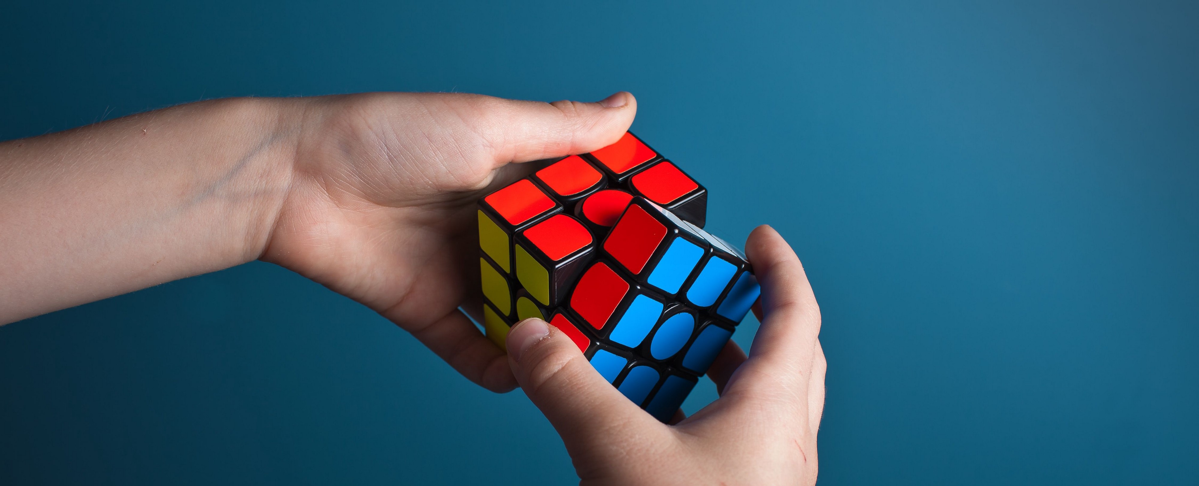 Finding the solution to the magic cube.