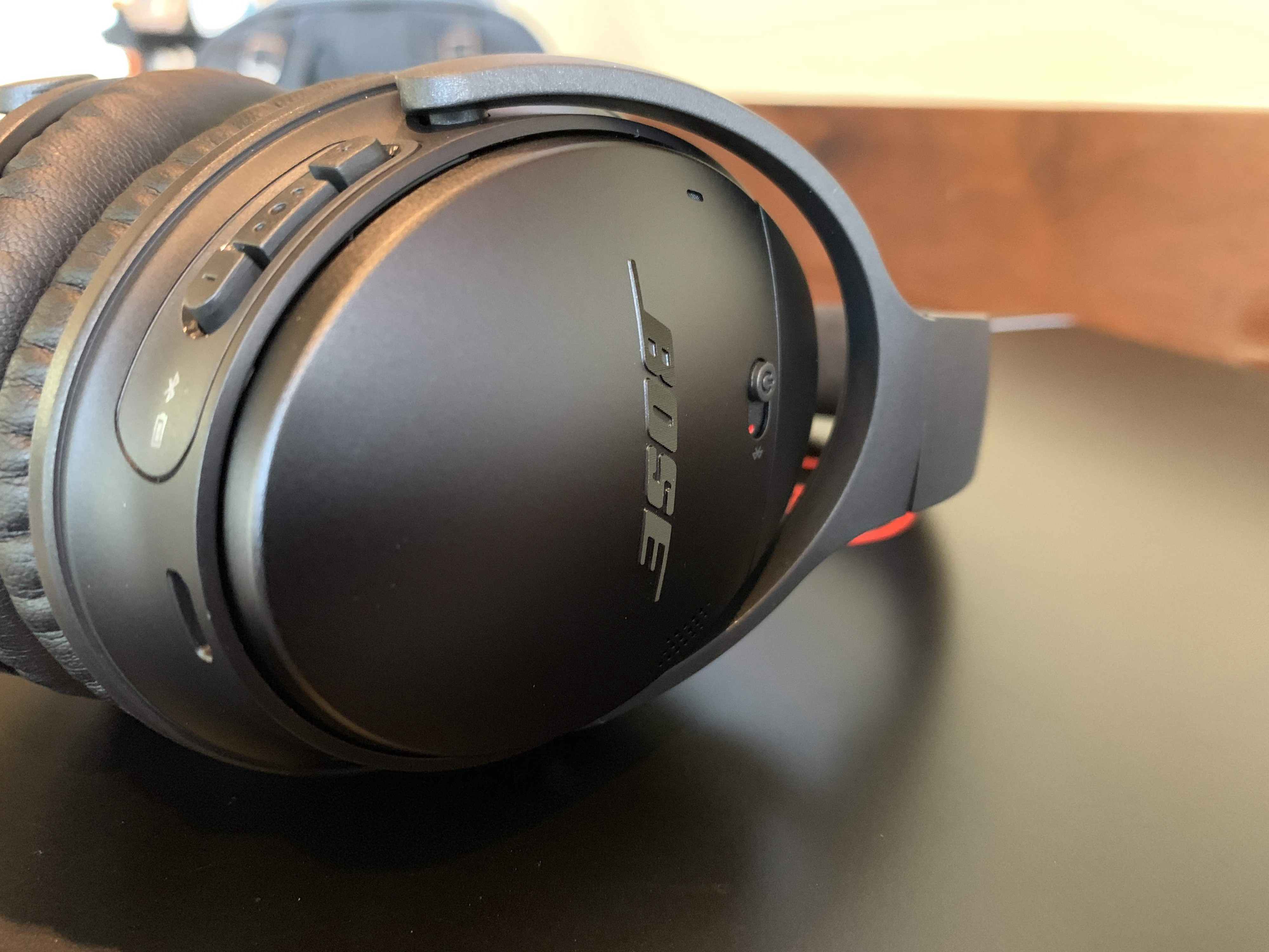 5eb6736ca05 When the Bose QC 35's first launched in 2016, I loved them. Then I went  back and forth about whether or not they were better than Sony's 1000X  model, ...