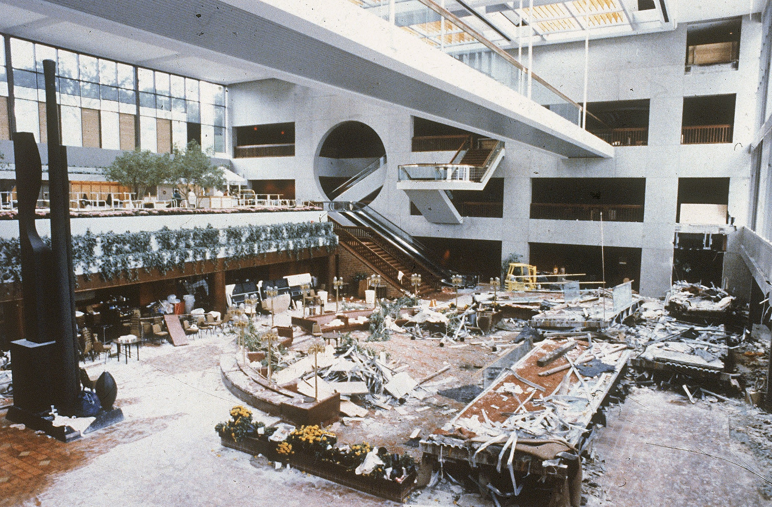 When this hotel skywalk collapsed, it was one of the deadliest