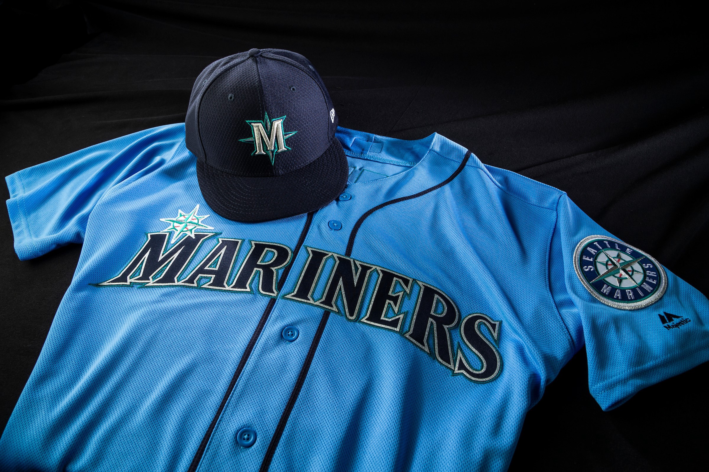 buy popular b7e33 64a93 Mariners to Sport New Jersey and Cap for 2019 Spring Training