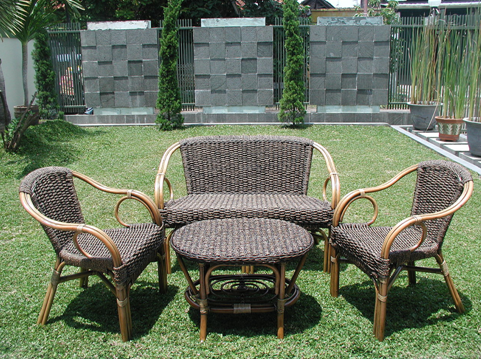 Wicker Vs Teak Garden Furniture What S Right For You
