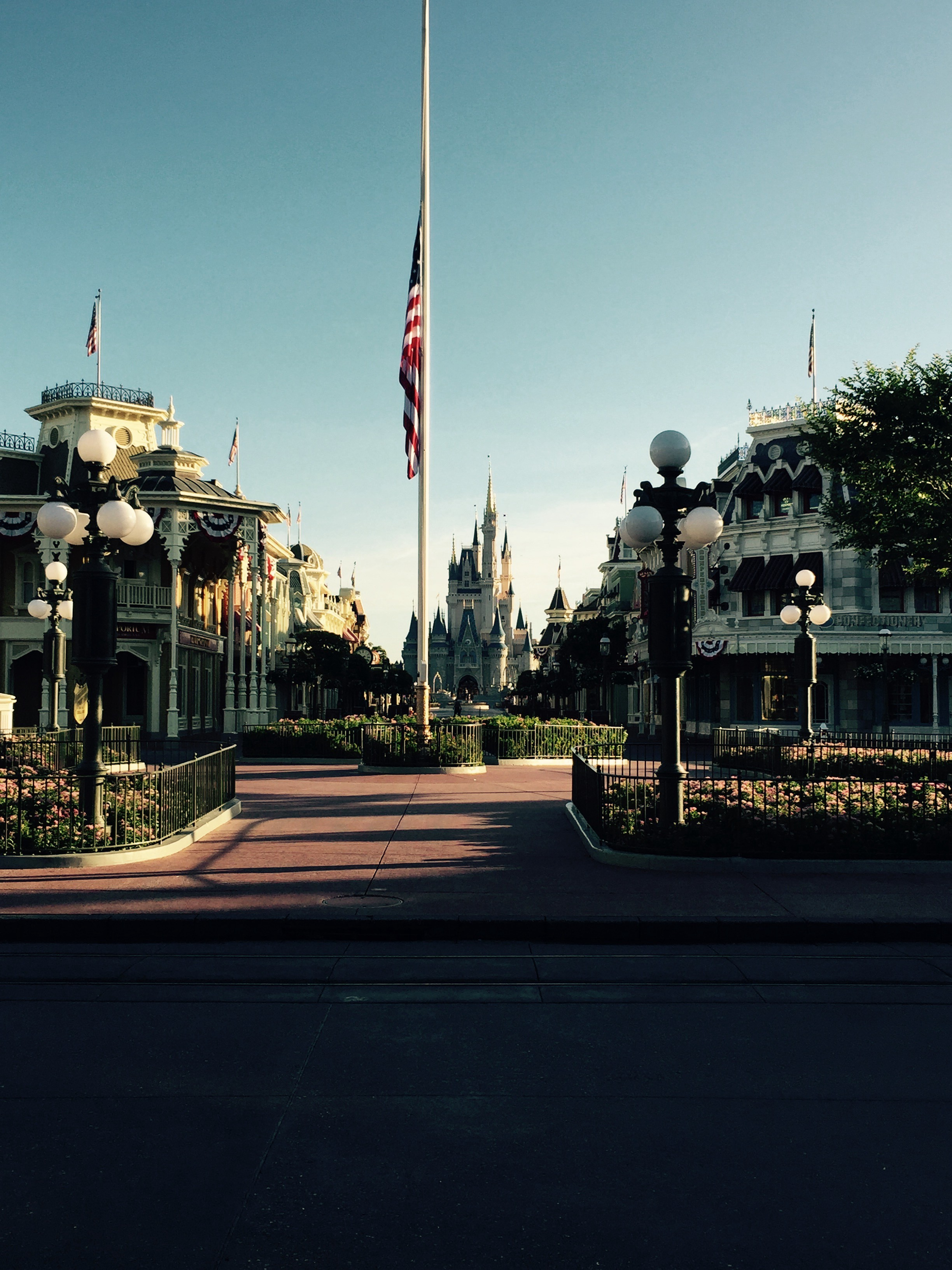 Walt Disney World And Disneyland Resorts Will Remain Closed Until Further Notice By Zach Perilstein Boardwalk Times
