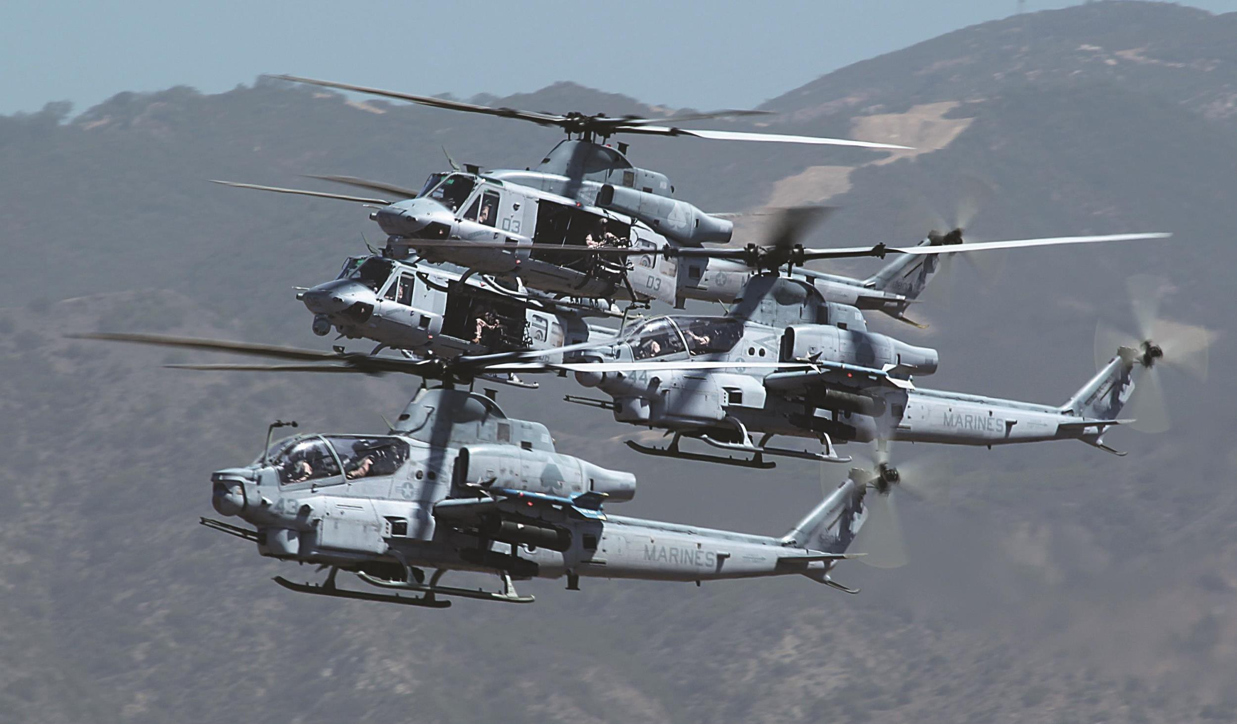 Watch US Marine Attack Helicopters Fly in Formation